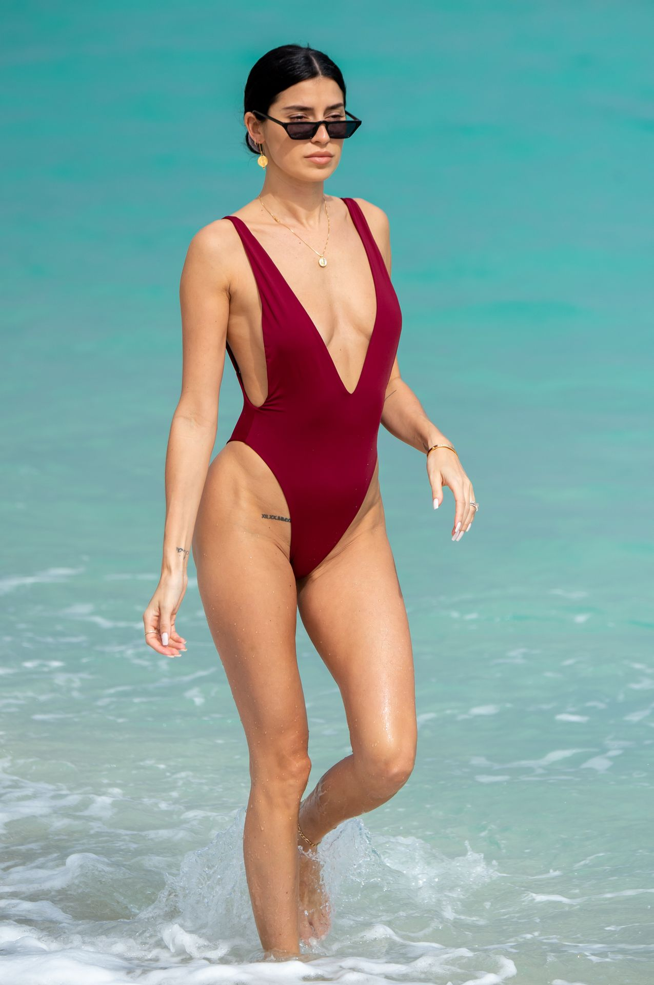 Nicole Williams Shows Off Her Amazing Curves In Miami 0026
