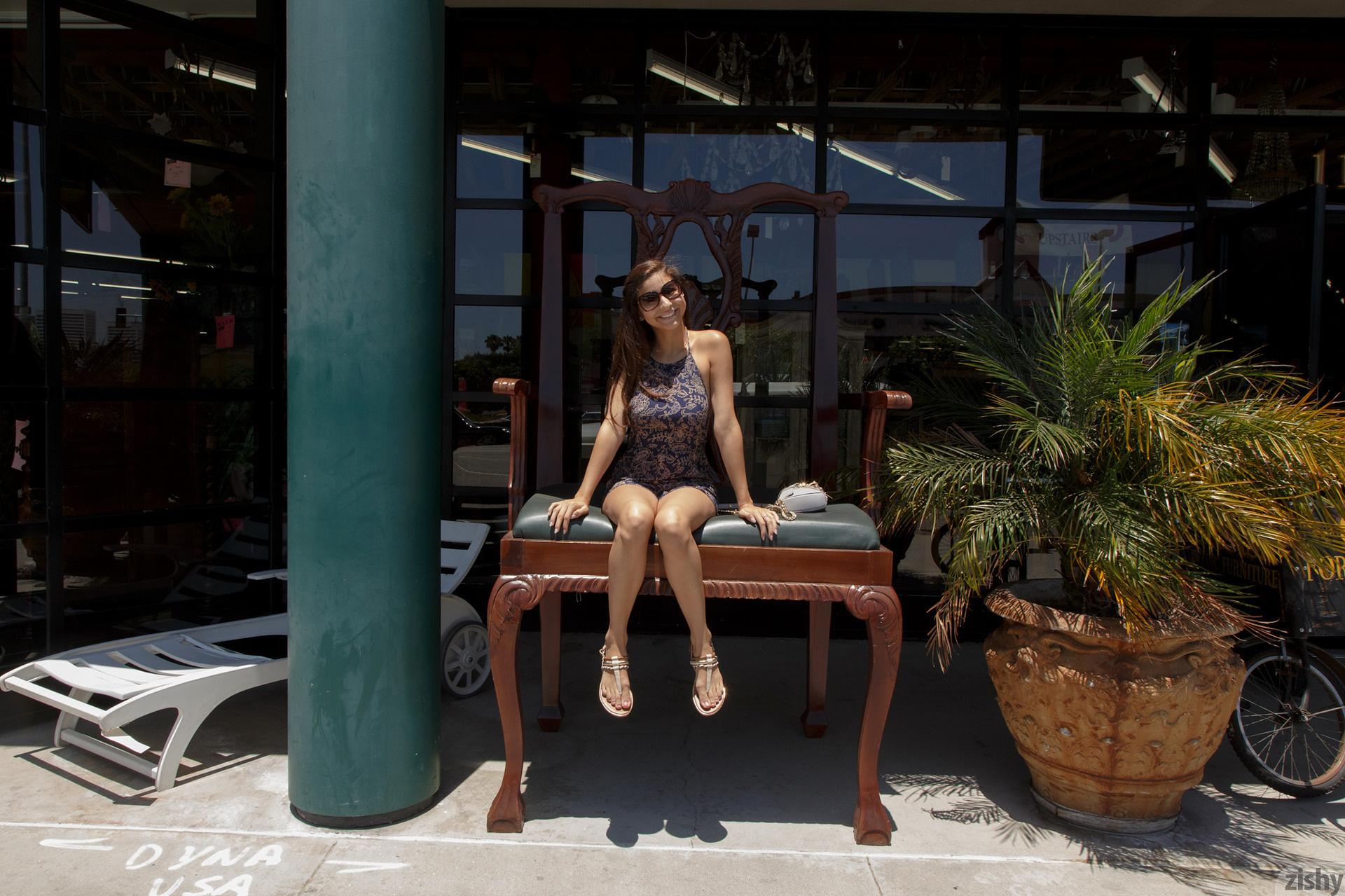 Nina North Used Furniture Zishy (10)