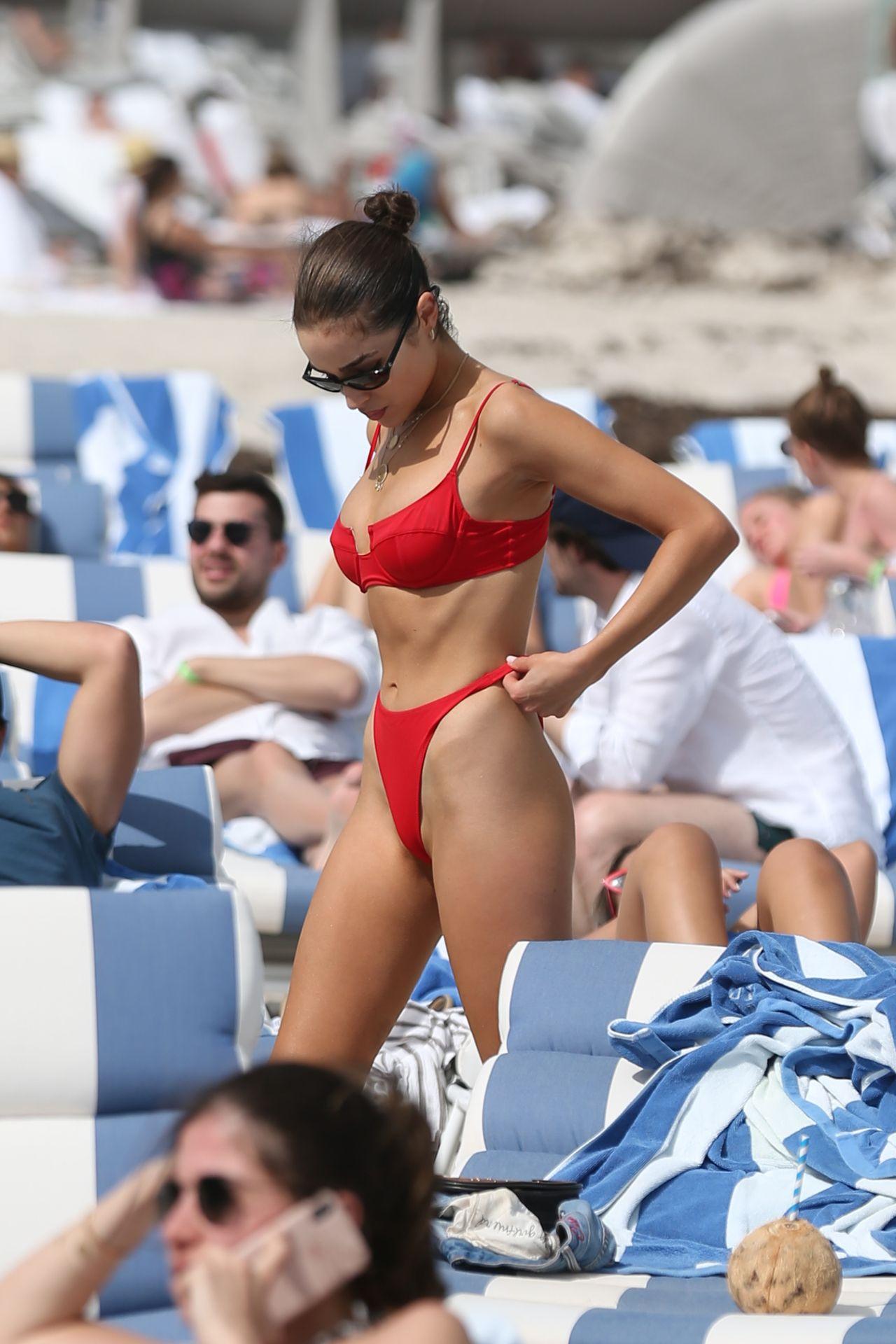 Olivia Culpo Hot 0010