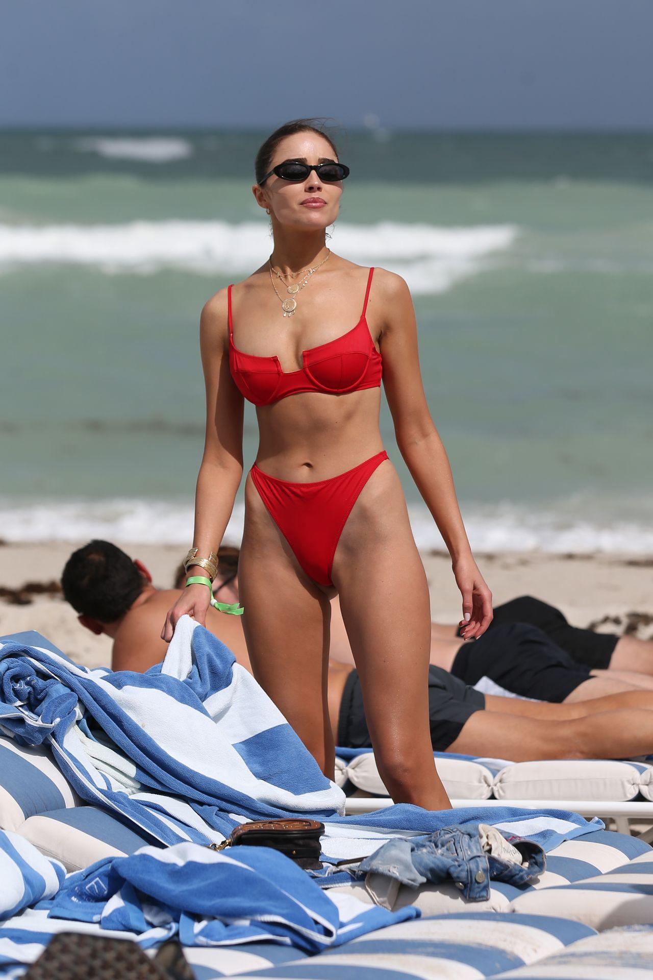Olivia Culpo Hot 0025