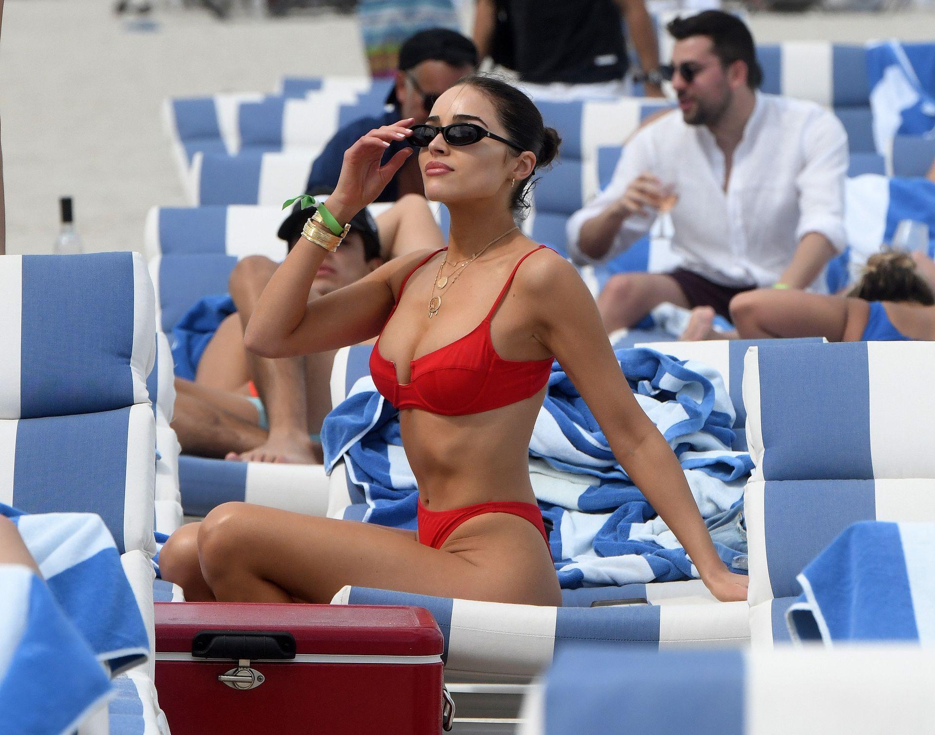 Olivia Culpo Hot 0075