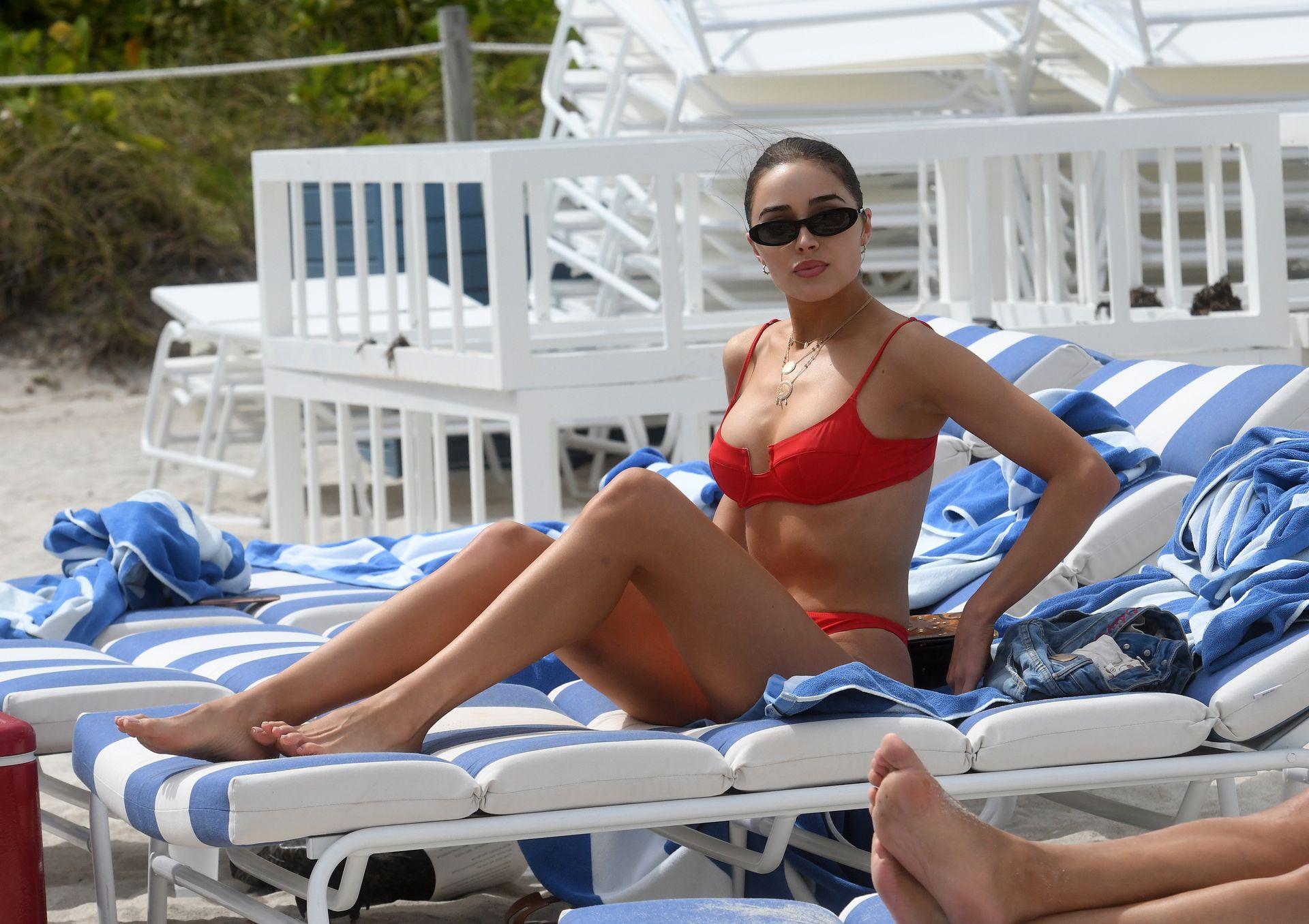 Olivia Culpo Hot 0105
