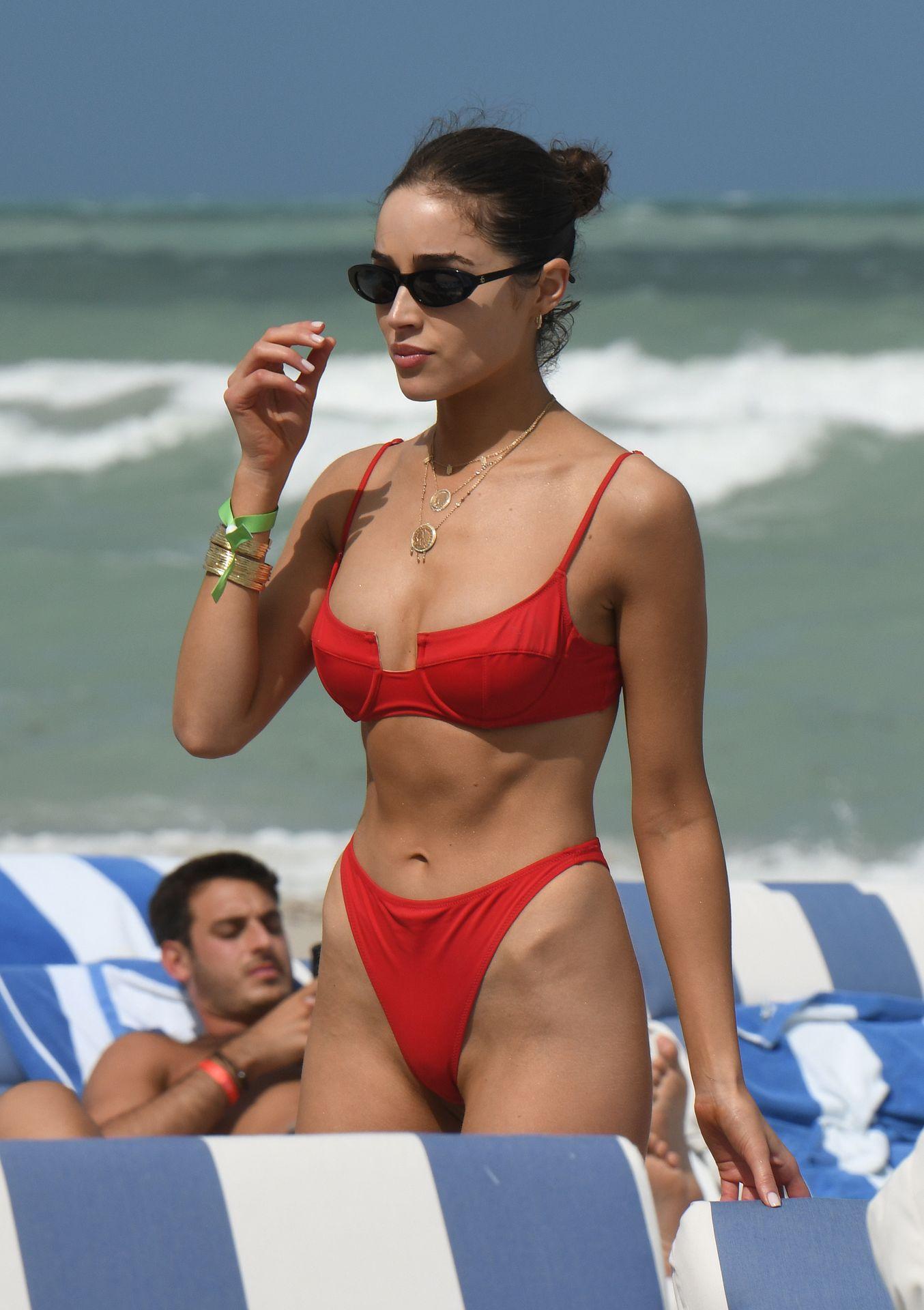 Olivia Culpo Hot 0117