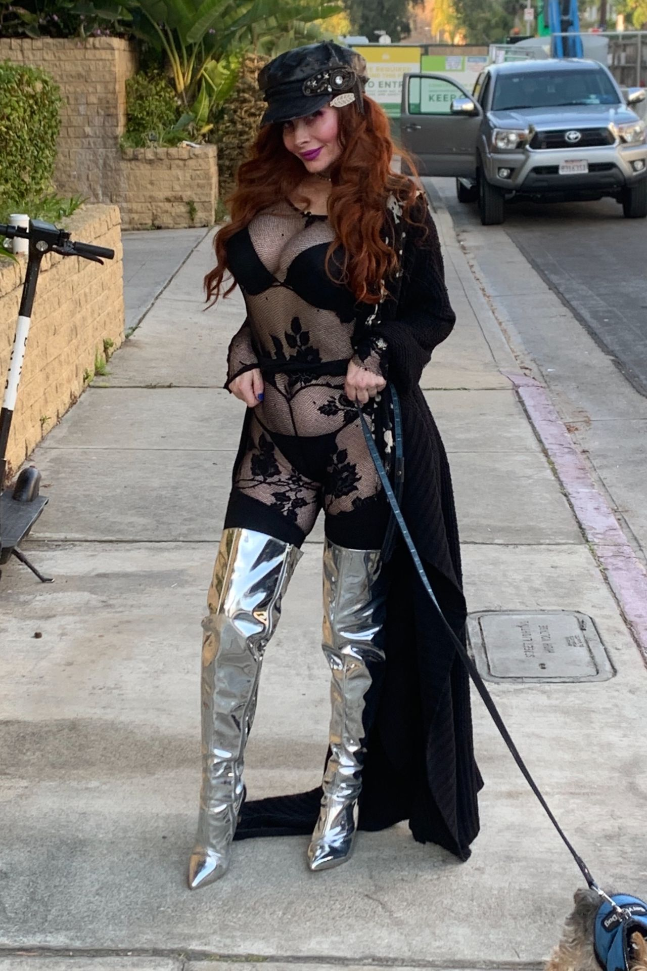 Phoebe Price Shows Her Butt In Los Angeles 0001