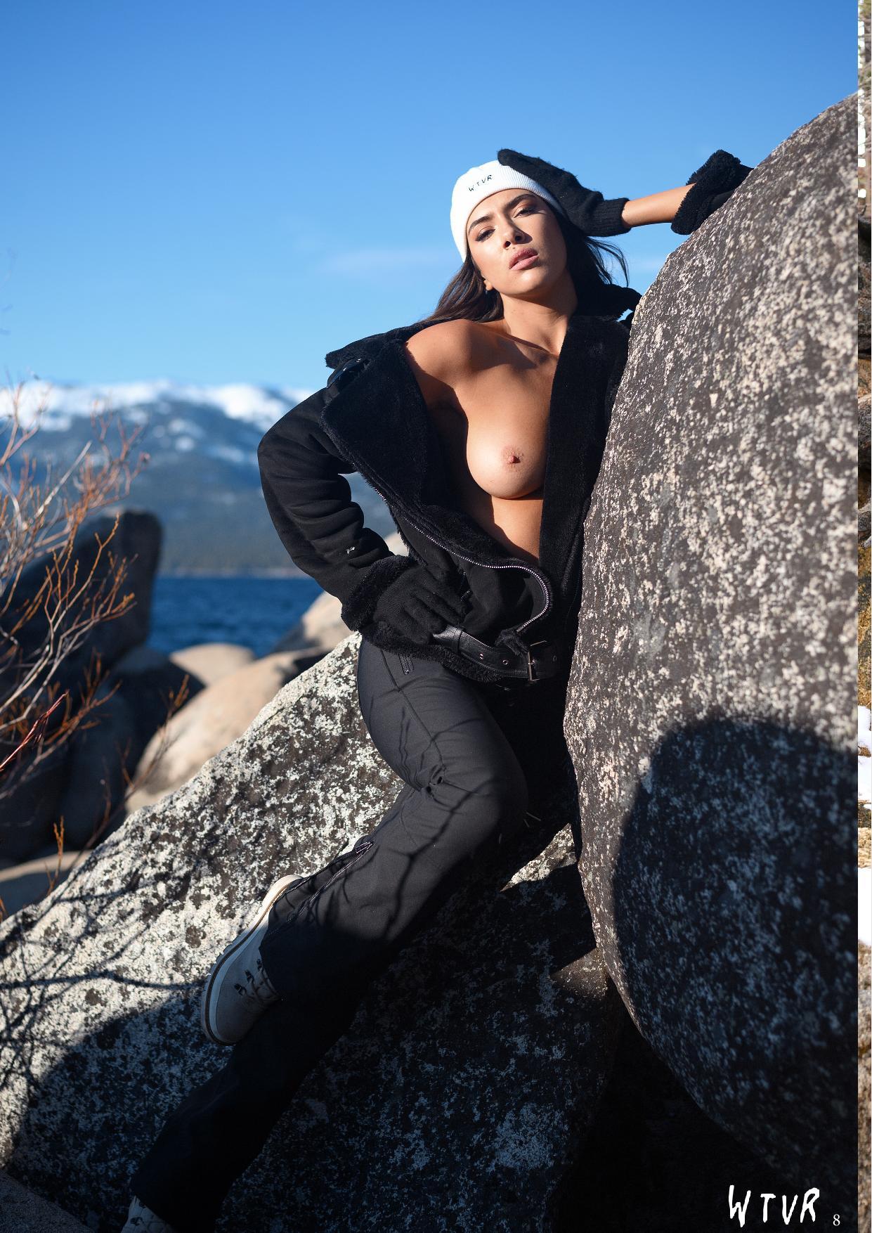 Rachel Cook, Alexis Rupp Nude – Wtvr Magazine №3 0006