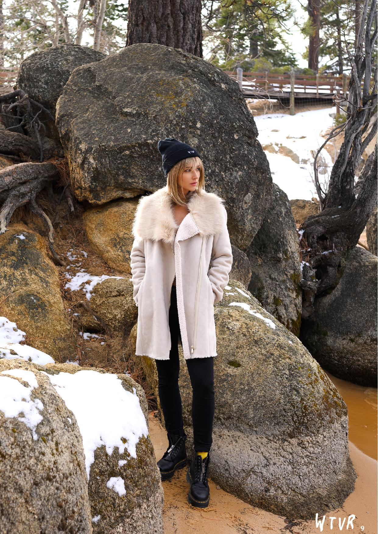 Rachel Cook, Alexis Rupp Nude – Wtvr Magazine №3 0007