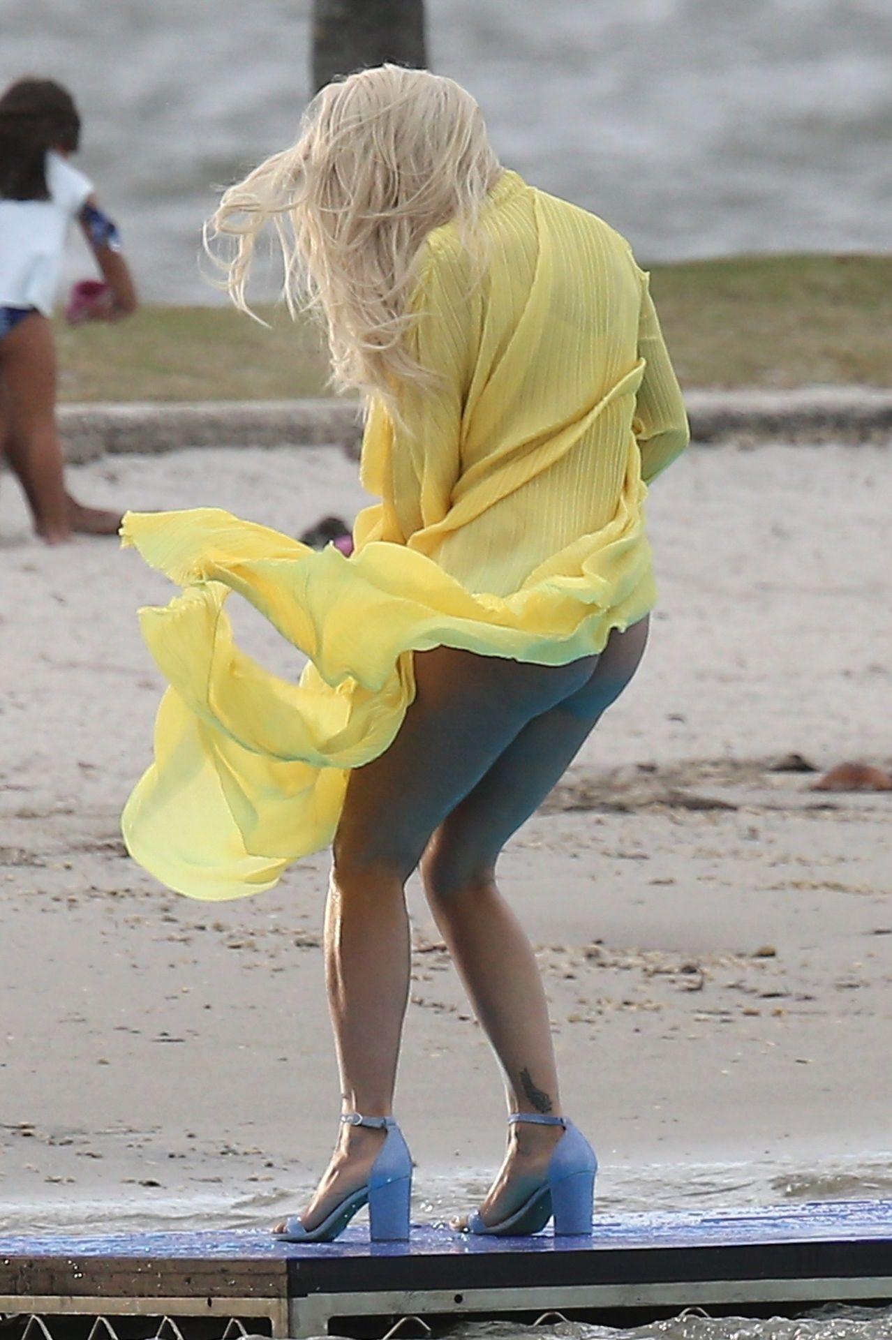 Rita Ora Upskirt 0015