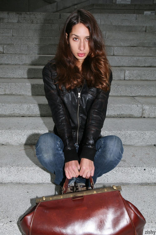 Sarah Lynch Vestibulum Oris Zishy (4)