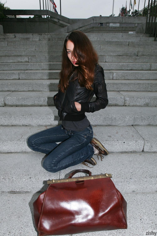 Sarah Lynch Vestibulum Oris Zishy (5)