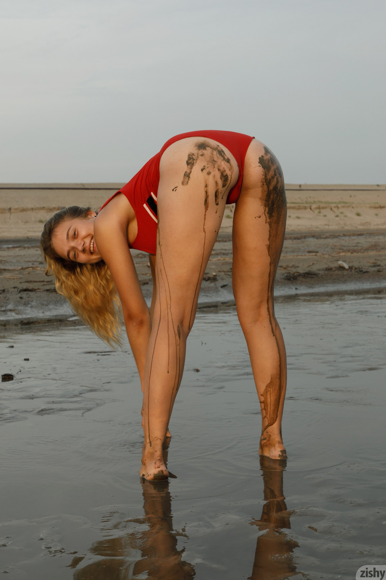 Sofia Orlova On Gryaznyy Beach Zishy (15)