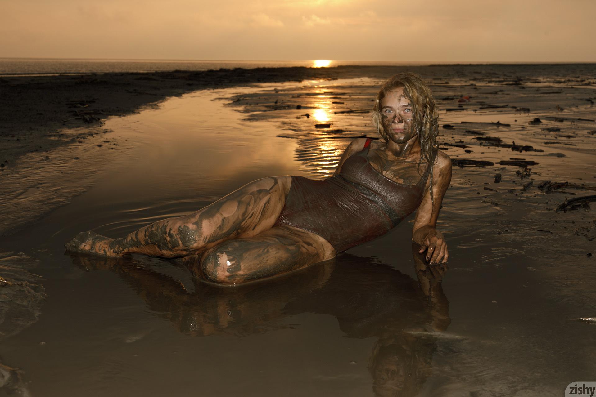 Sofia Orlova On Gryaznyy Beach Zishy (56)