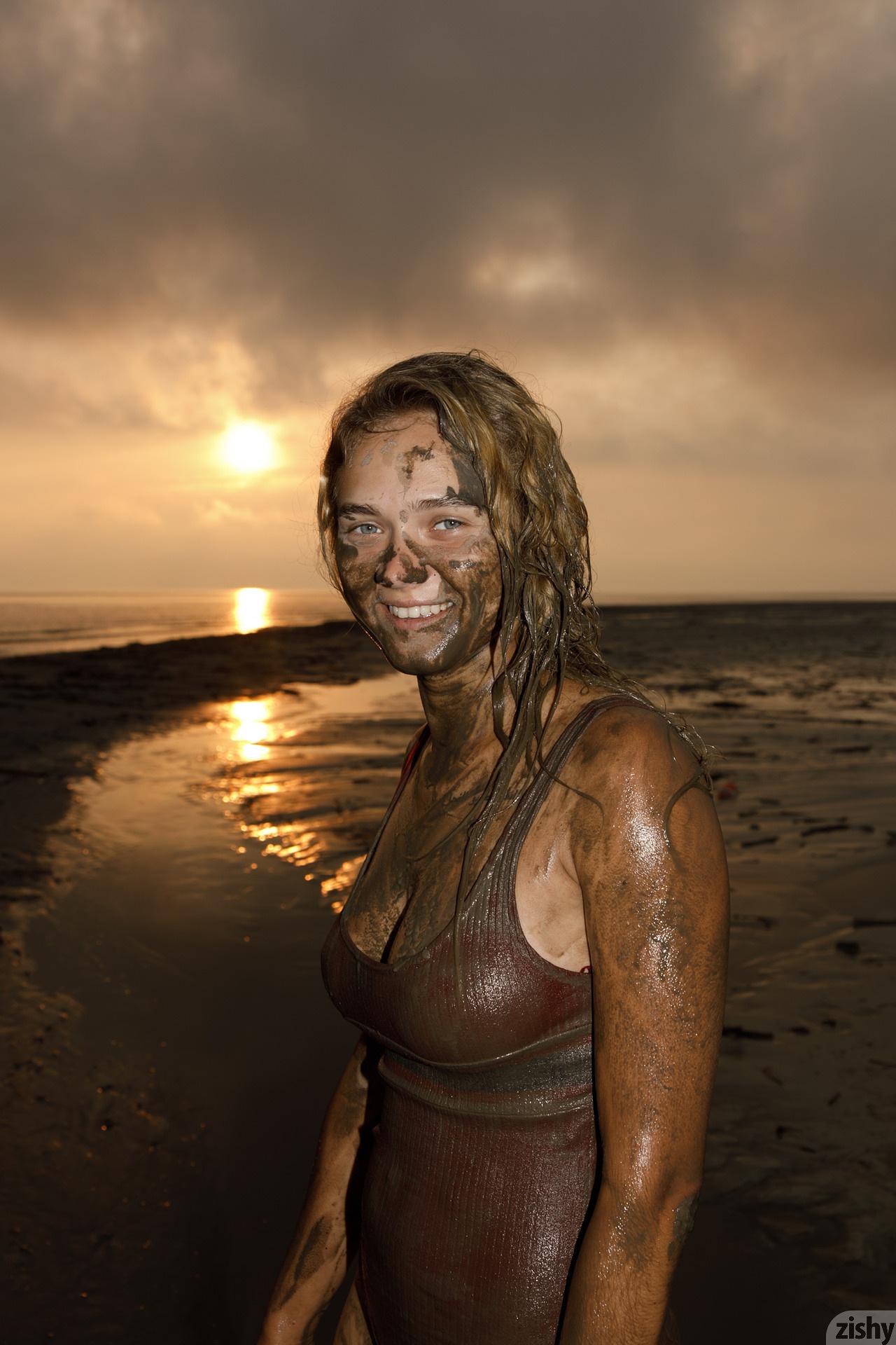 Sofia Orlova On Gryaznyy Beach Zishy (58)