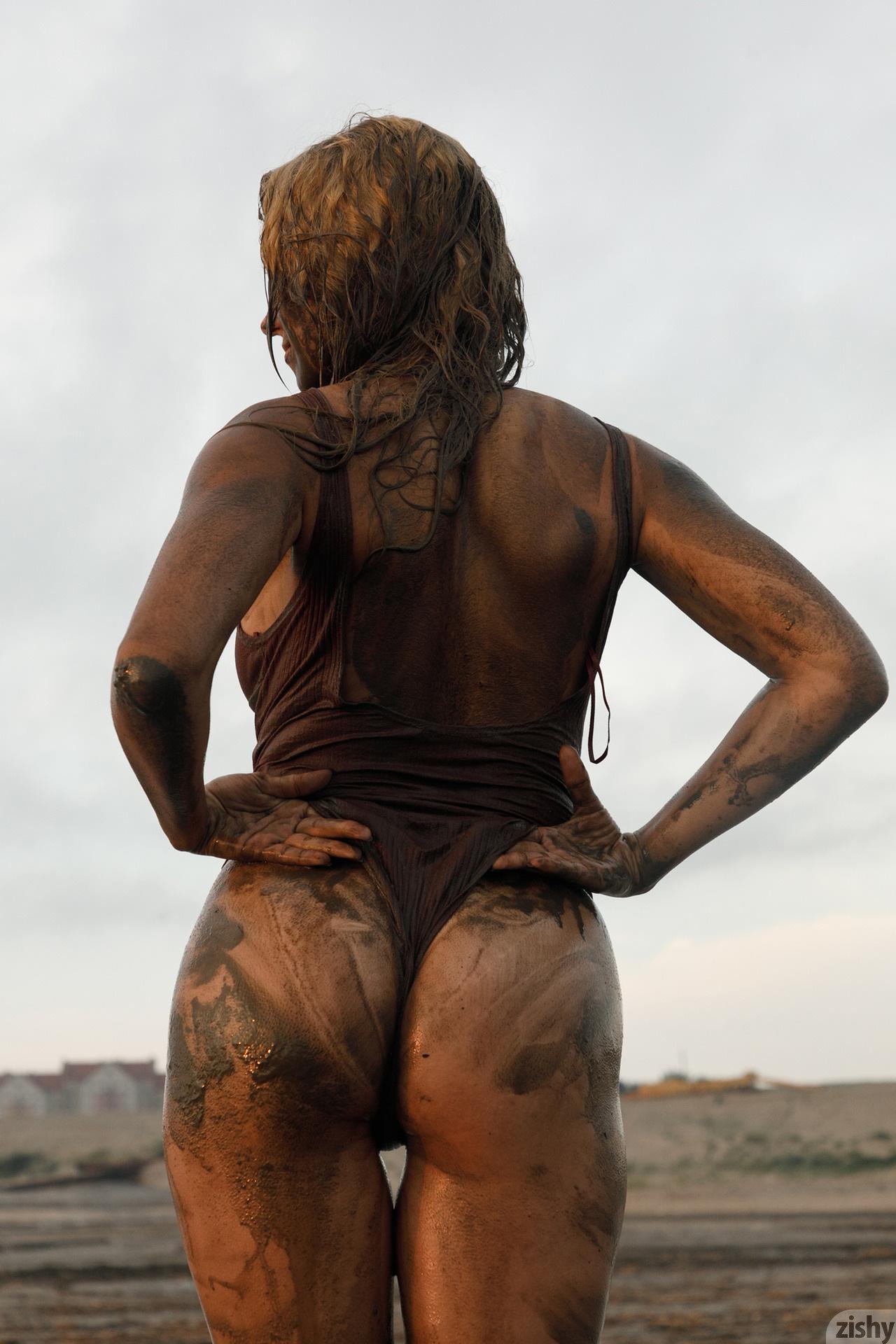 Sofia Orlova On Gryaznyy Beach Zishy (69)