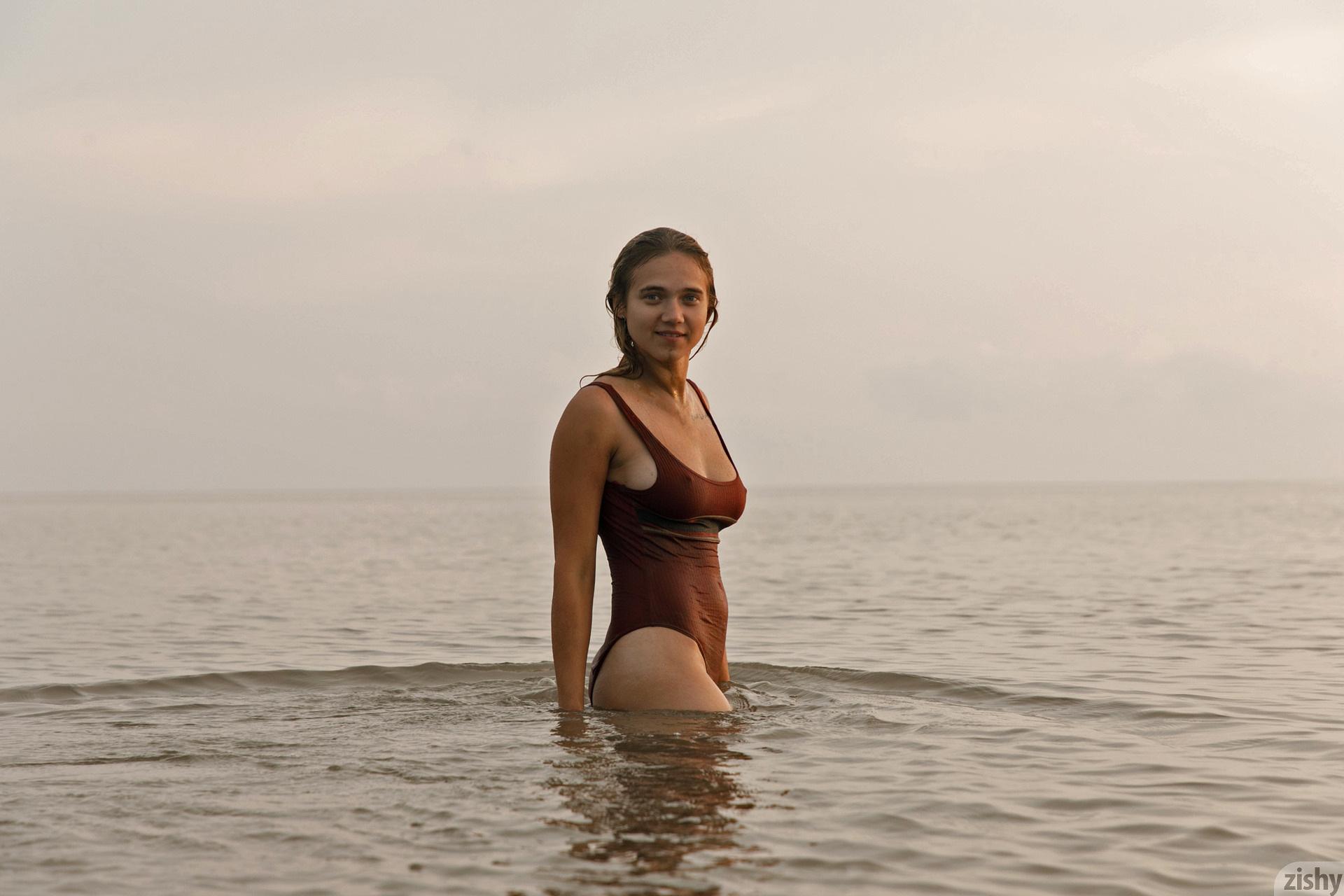 Sofia Orlova On Gryaznyy Beach Zishy (81)