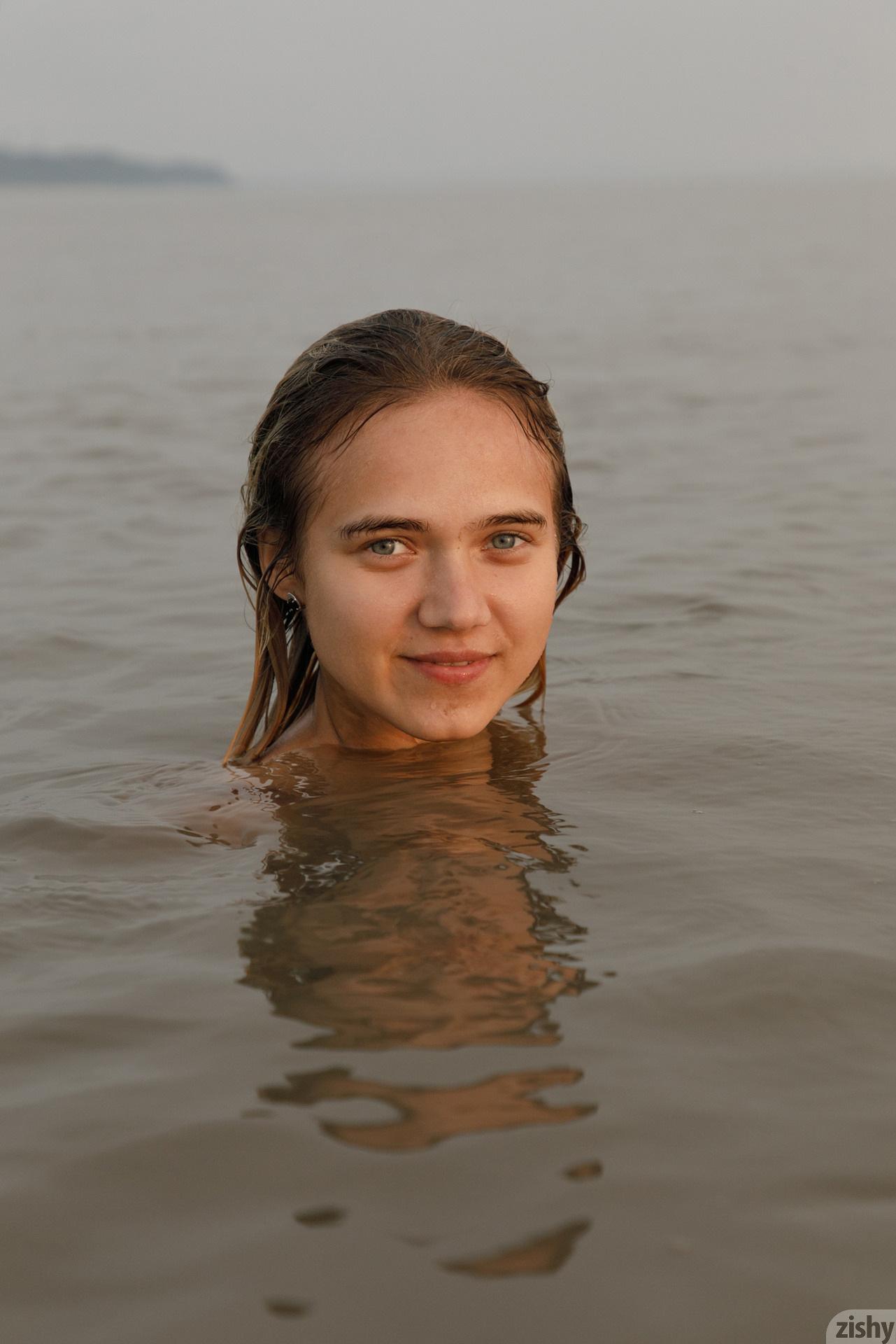 Sofia Orlova On Gryaznyy Beach Zishy (83)
