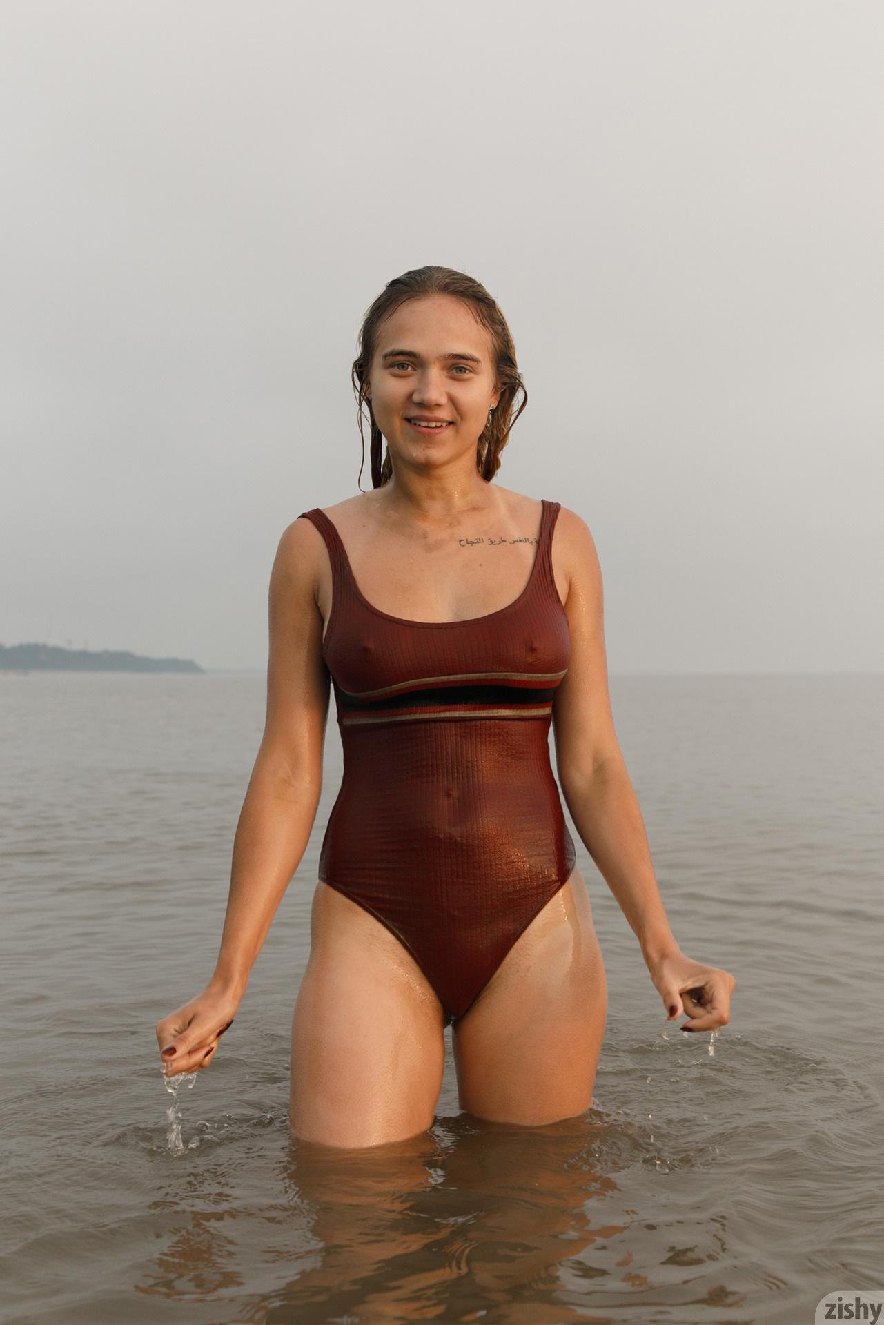 Sofia Orlova On Gryaznyy Beach Zishy (84)