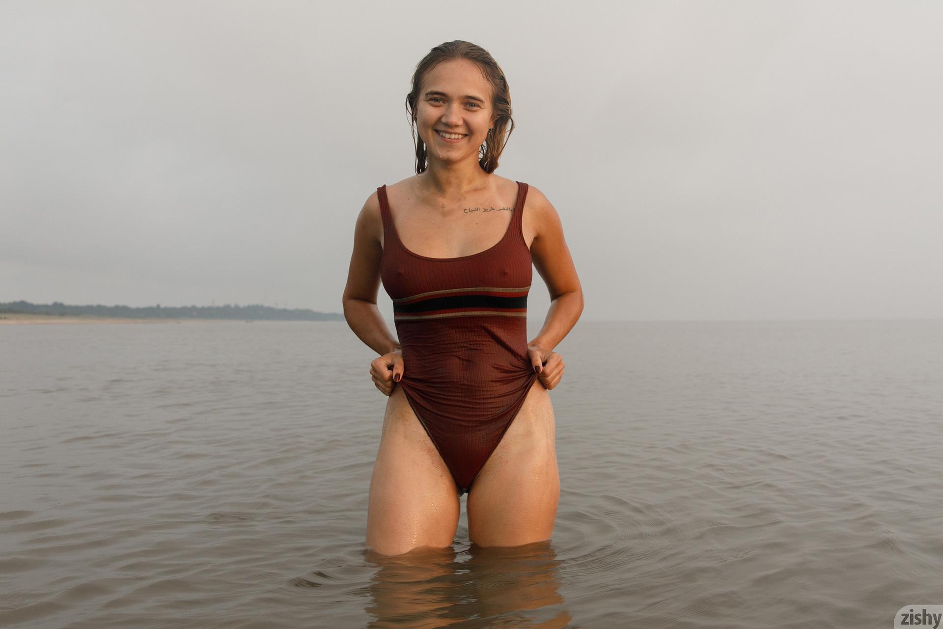 Sofia Orlova On Gryaznyy Beach Zishy (85)