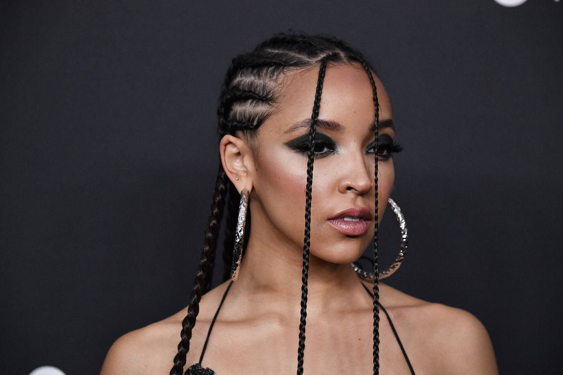 Tinashe Flaunts Her Tits At The Spotify Best New Artist Party 0002