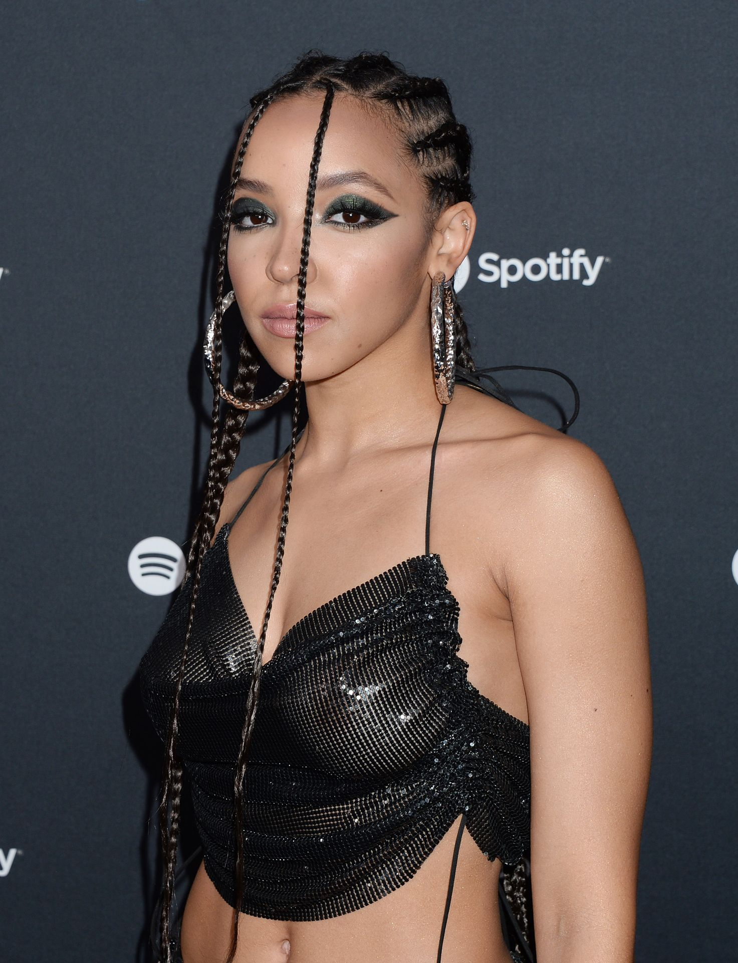 Tinashe Flaunts Her Tits At The Spotify Best New Artist Party 0007