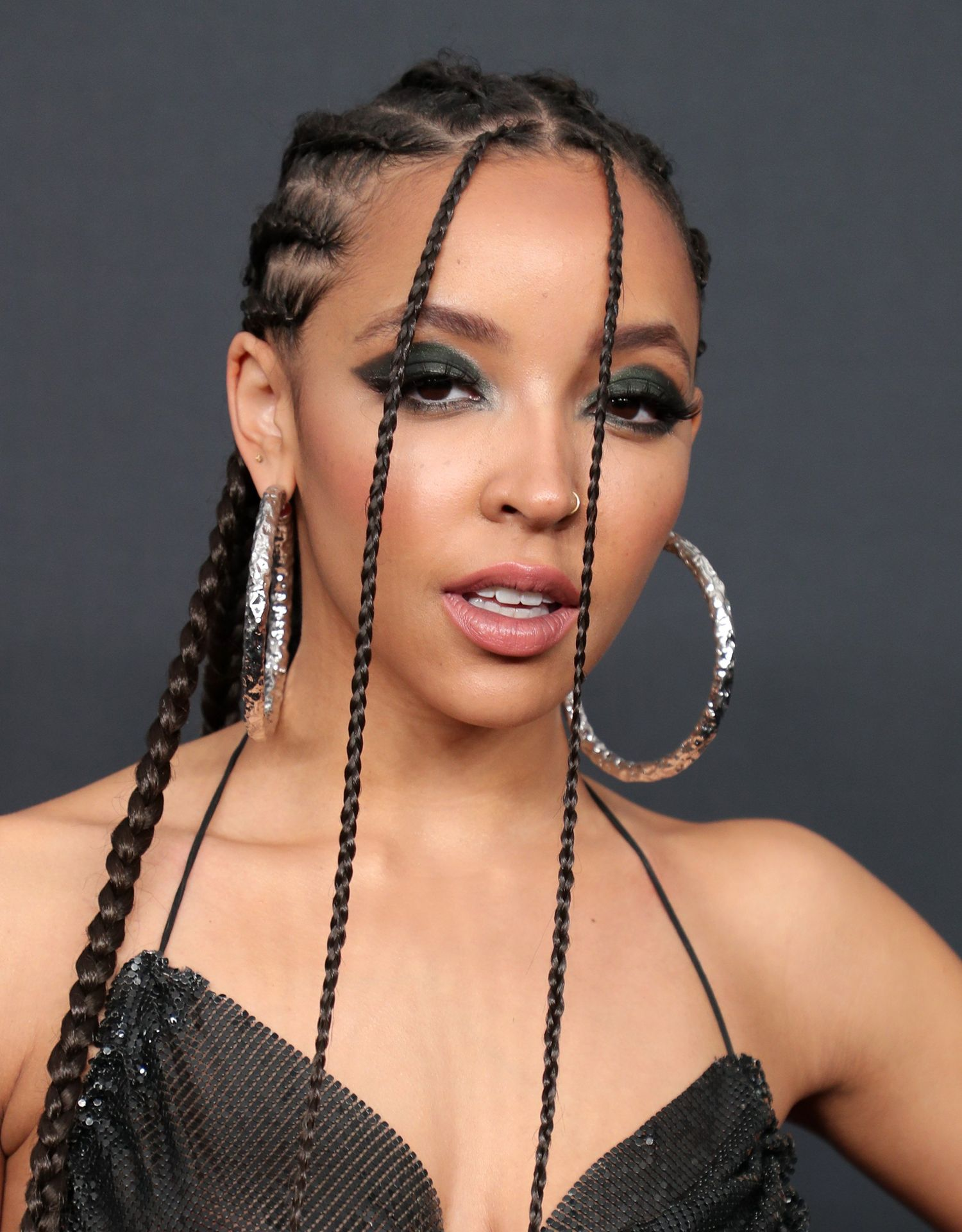 Tinashe Flaunts Her Tits At The Spotify Best New Artist Party 0011