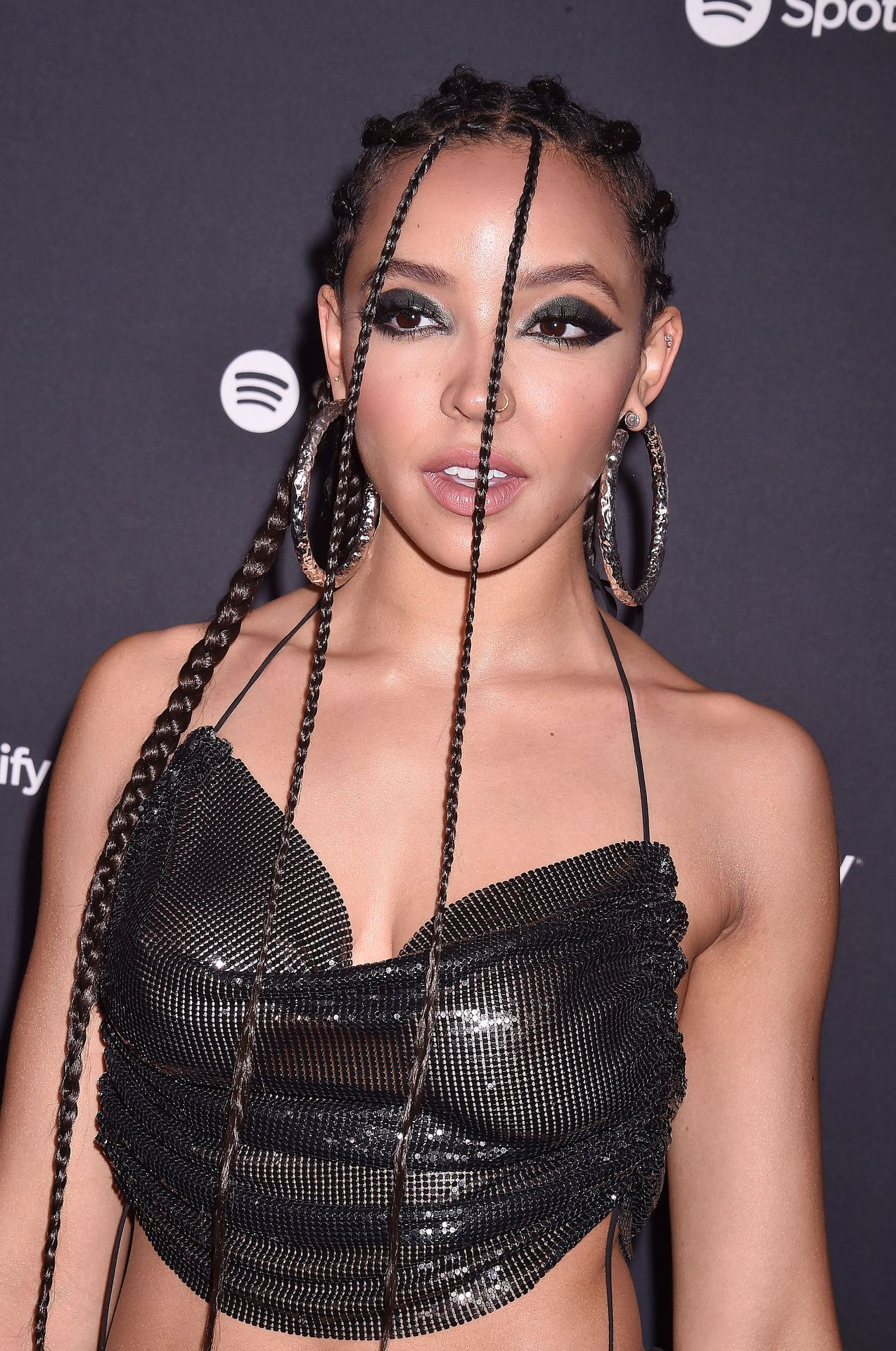 Tinashe Flaunts Her Tits At The Spotify Best New Artist Party 0022