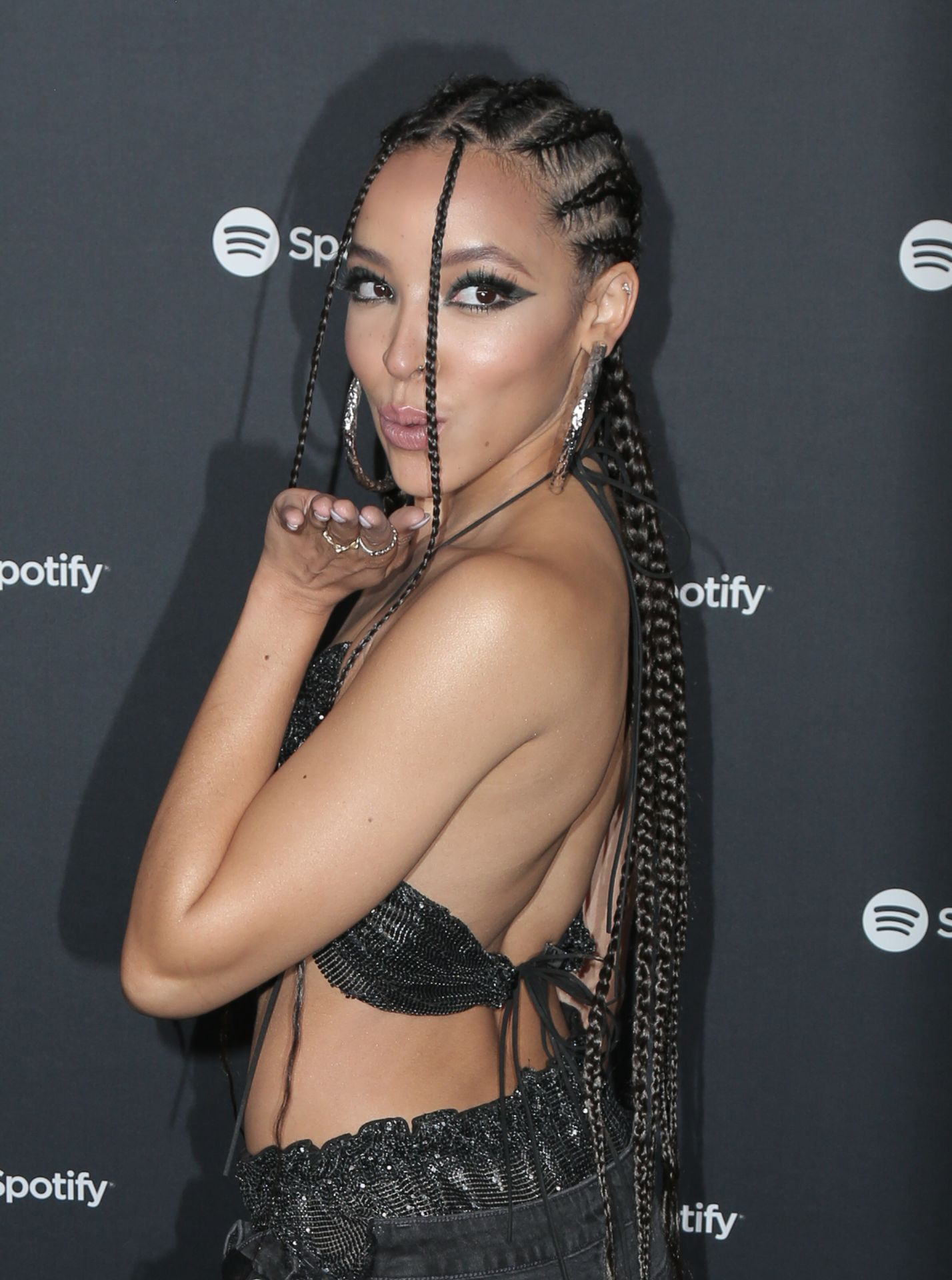 Tinashe Flaunts Her Tits At The Spotify Best New Artist Party 0033