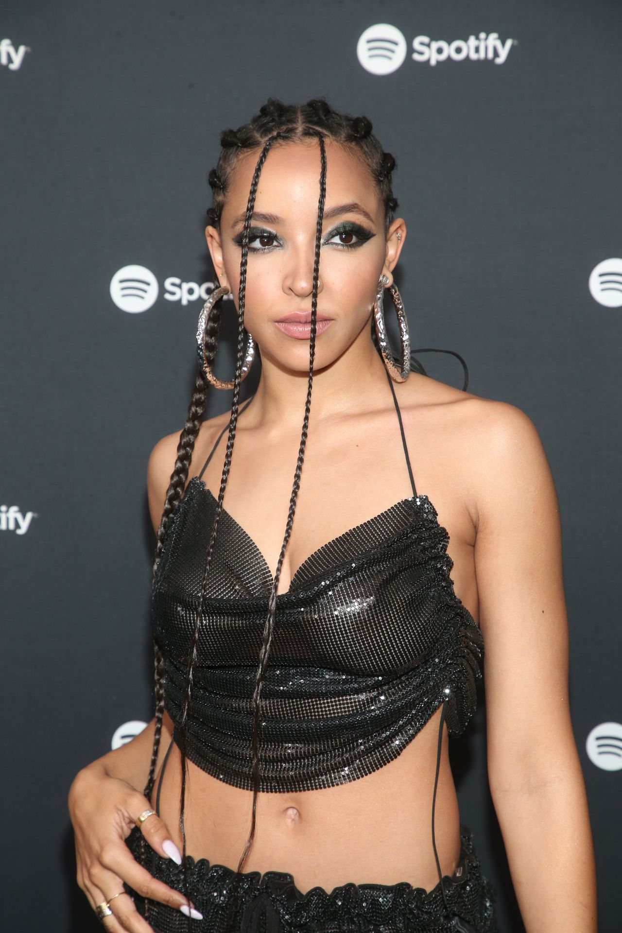 Tinashe Flaunts Her Tits At The Spotify Best New Artist Party 0042