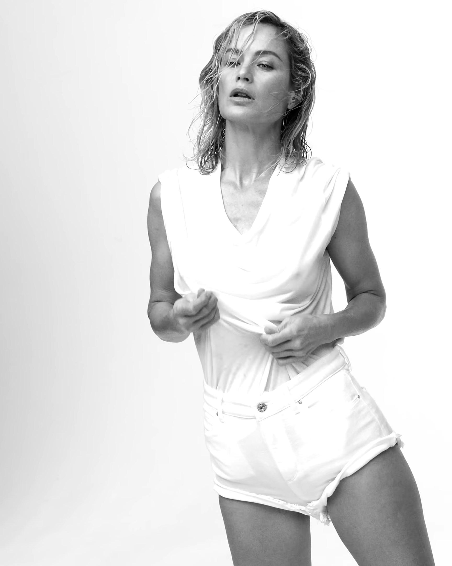 V Magazine 2020 Nude Calendar 0029