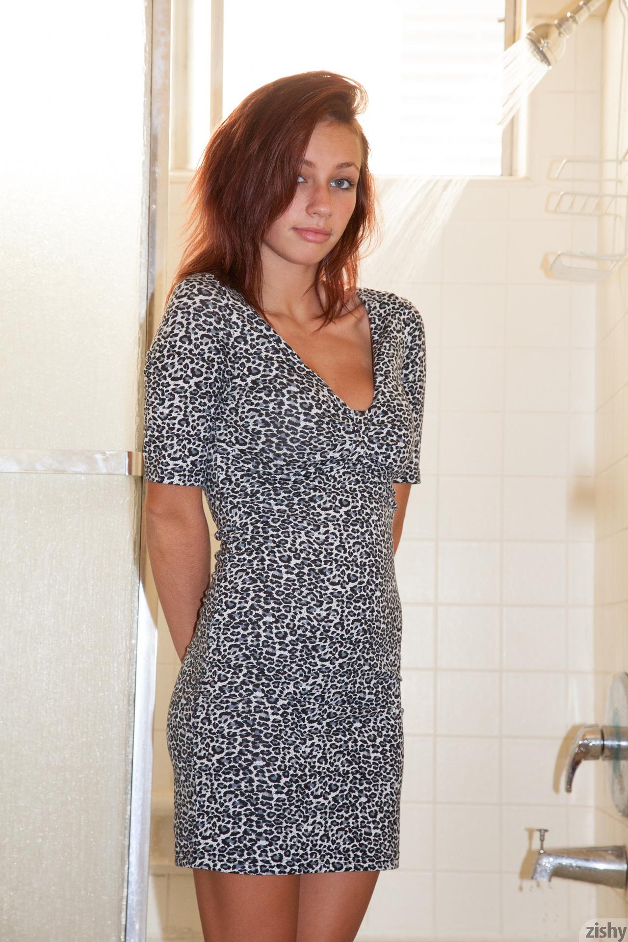Victoria Lynn Clean The Dirty Zishy (1)