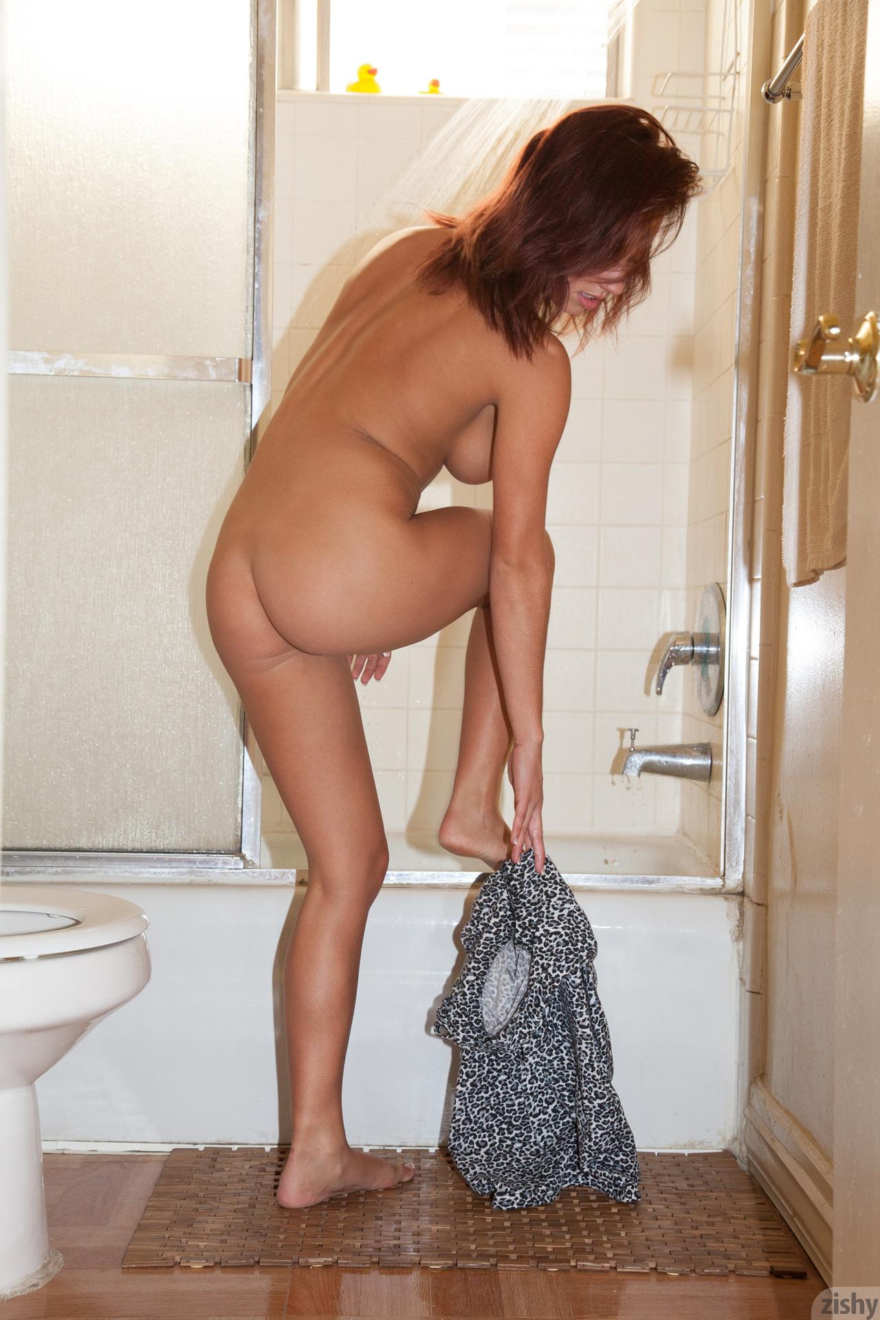 Victoria Lynn Clean The Dirty Zishy (5)