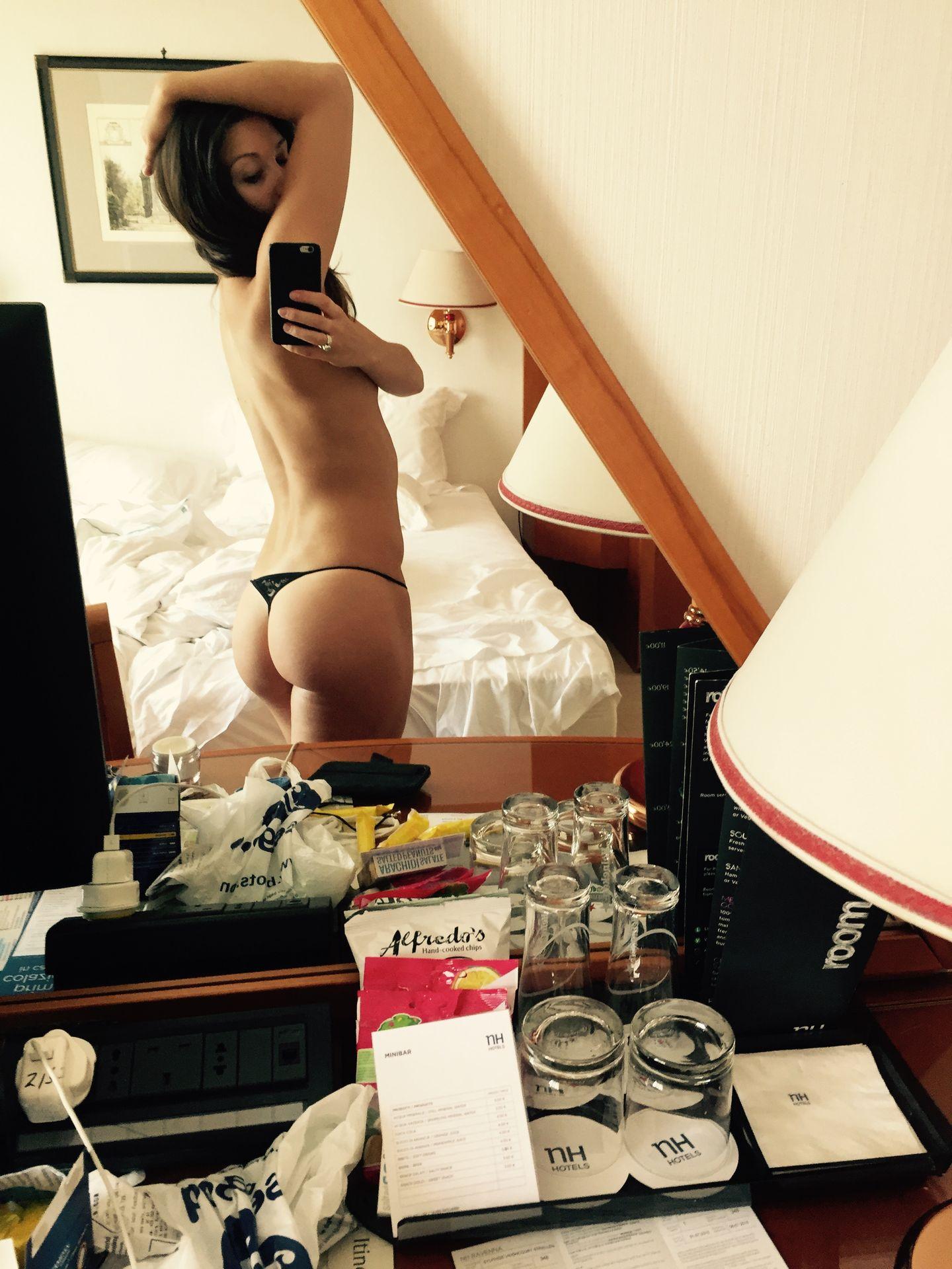 Zizi Strallen Nude Leaked The Fappening 0016