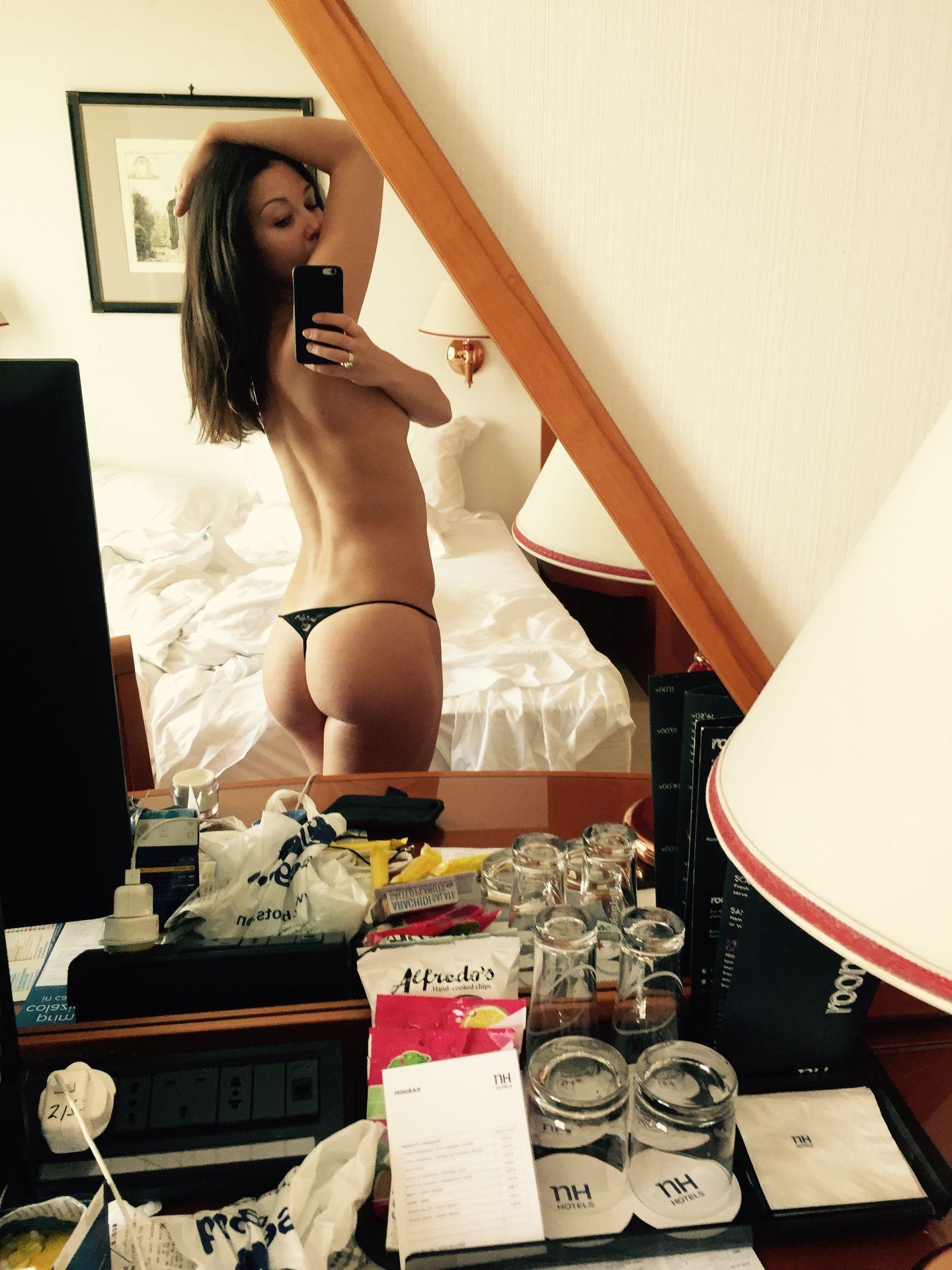 Zizi Strallen Nude Leaked The Fappening 0018