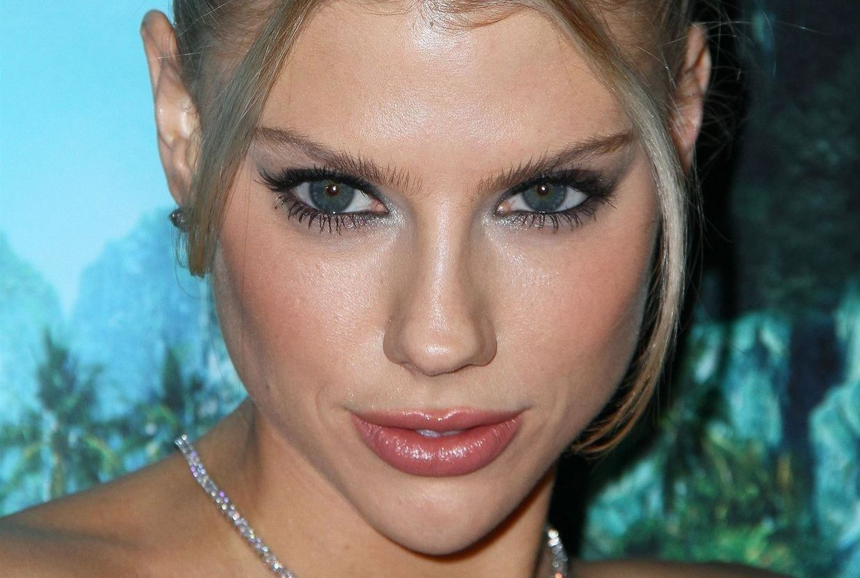 Charlotte Mckinney Stuns On The Red Carpet At The Premiere Of Fantasy Island 0012