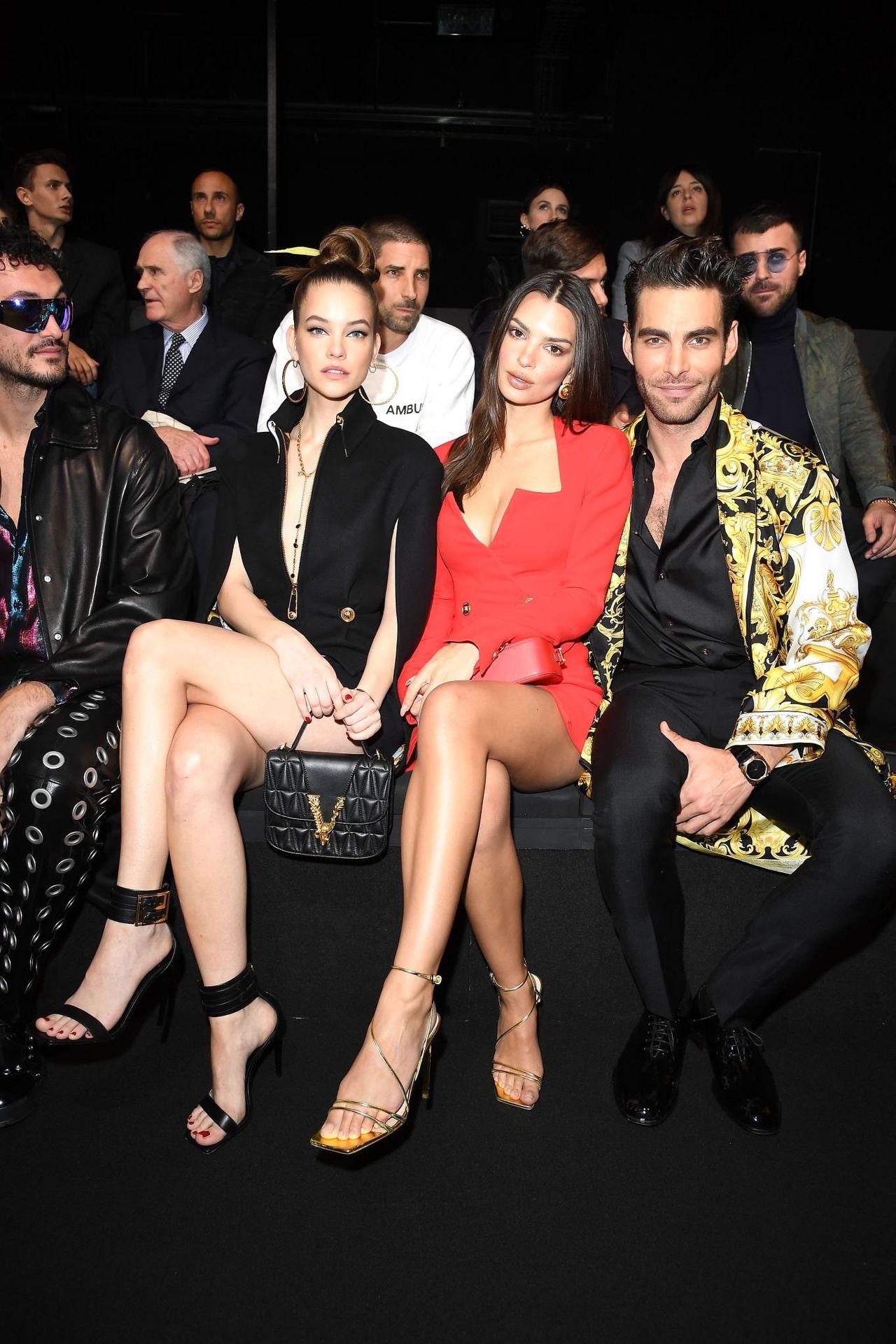 Emily Ratajkowski Stuns At The Versace Fashion Show During Milan Fashion Week 0023