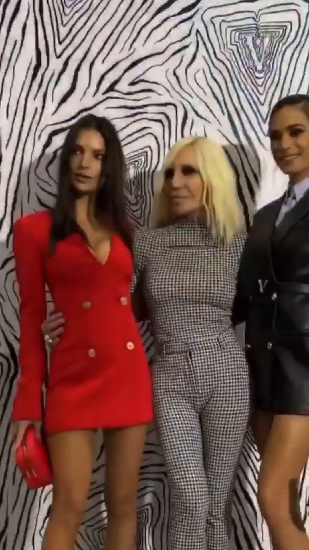 Emily Ratajkowski Stuns At The Versace Fashion Show During Milan Fashion Week 0086