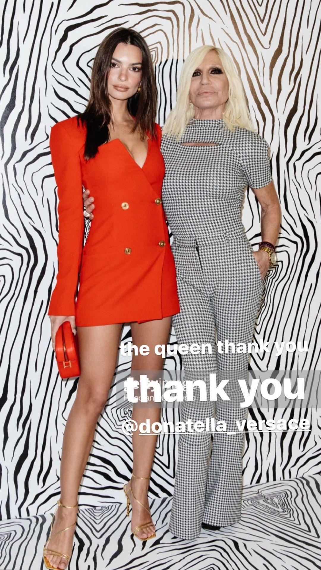 Emily Ratajkowski Stuns At The Versace Fashion Show During Milan Fashion Week 0090