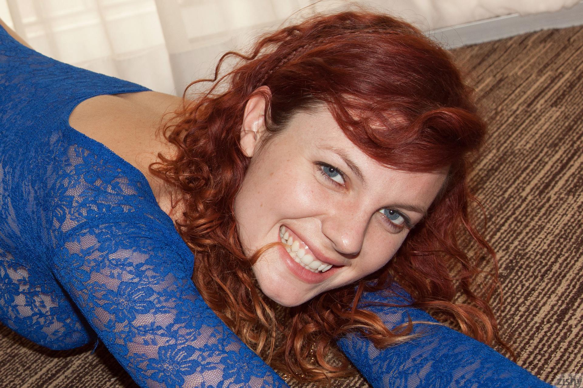 Felicia Davies The Bends Zishy (43)