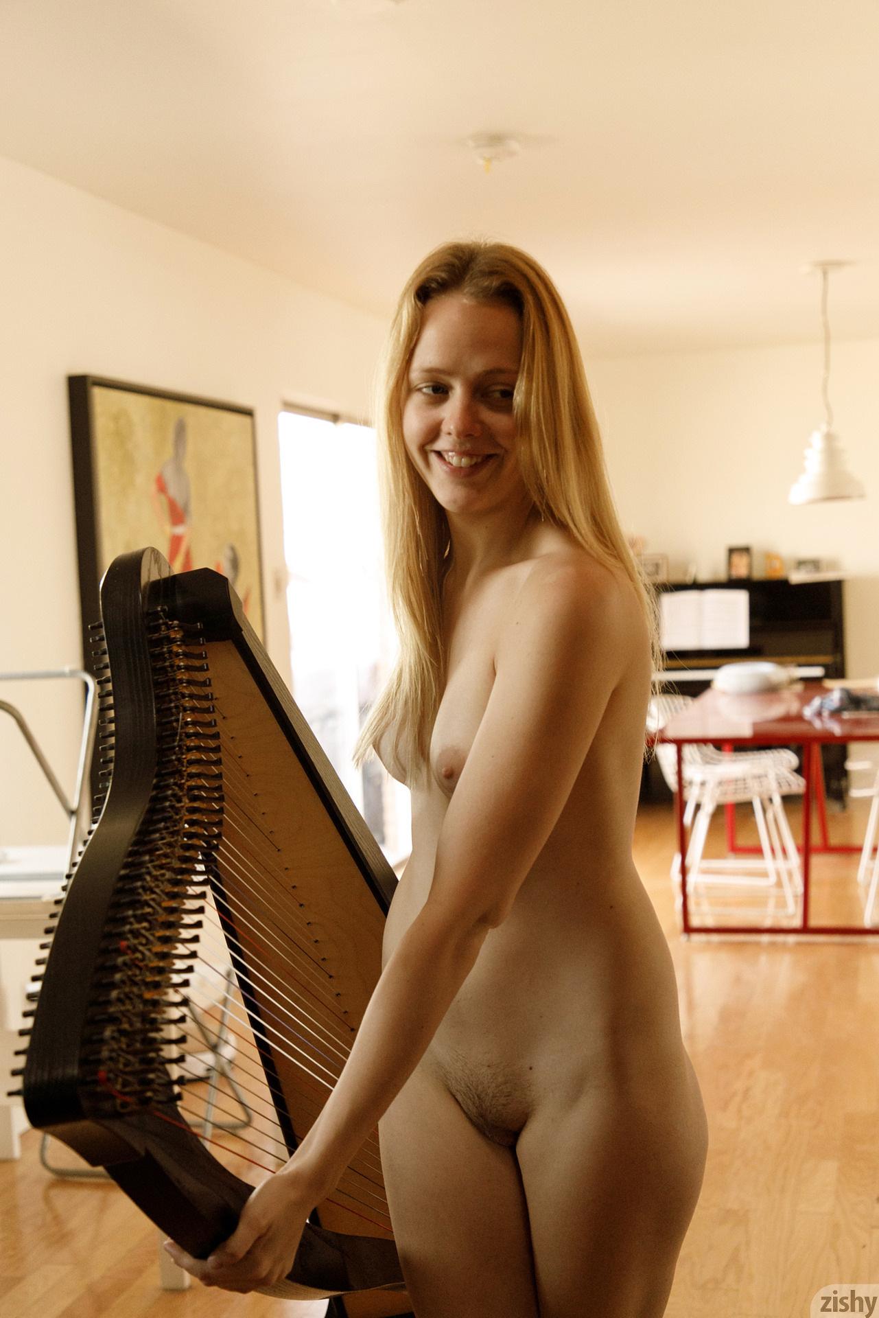 Helen Bergstrom Show Me Your Strings Zishy (35)