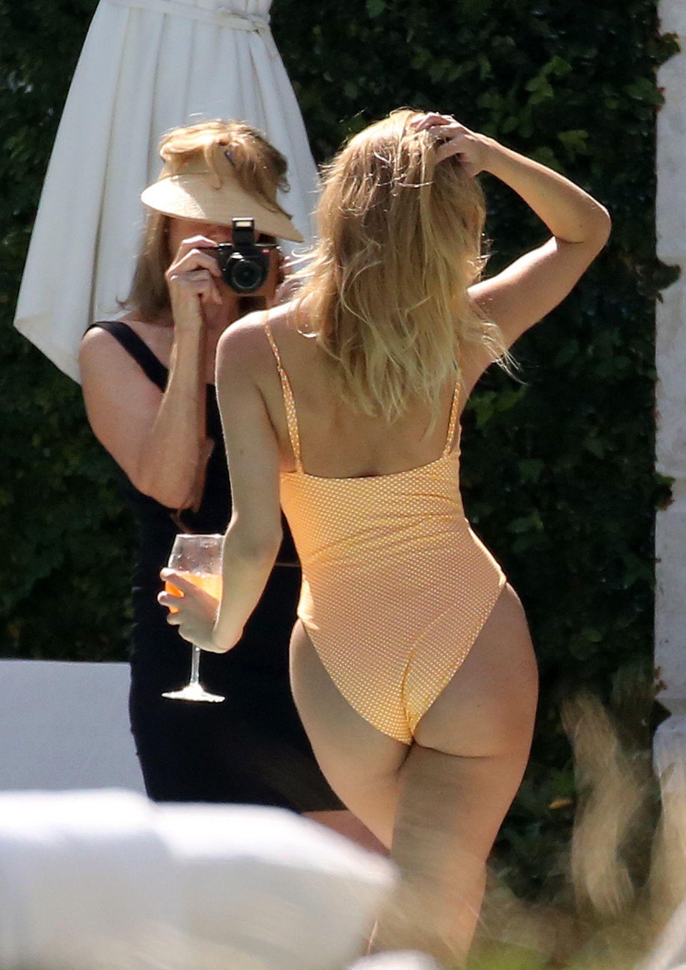 Kimberley Garner Seen Wearing An Orange Swimsuit In Miami 0012