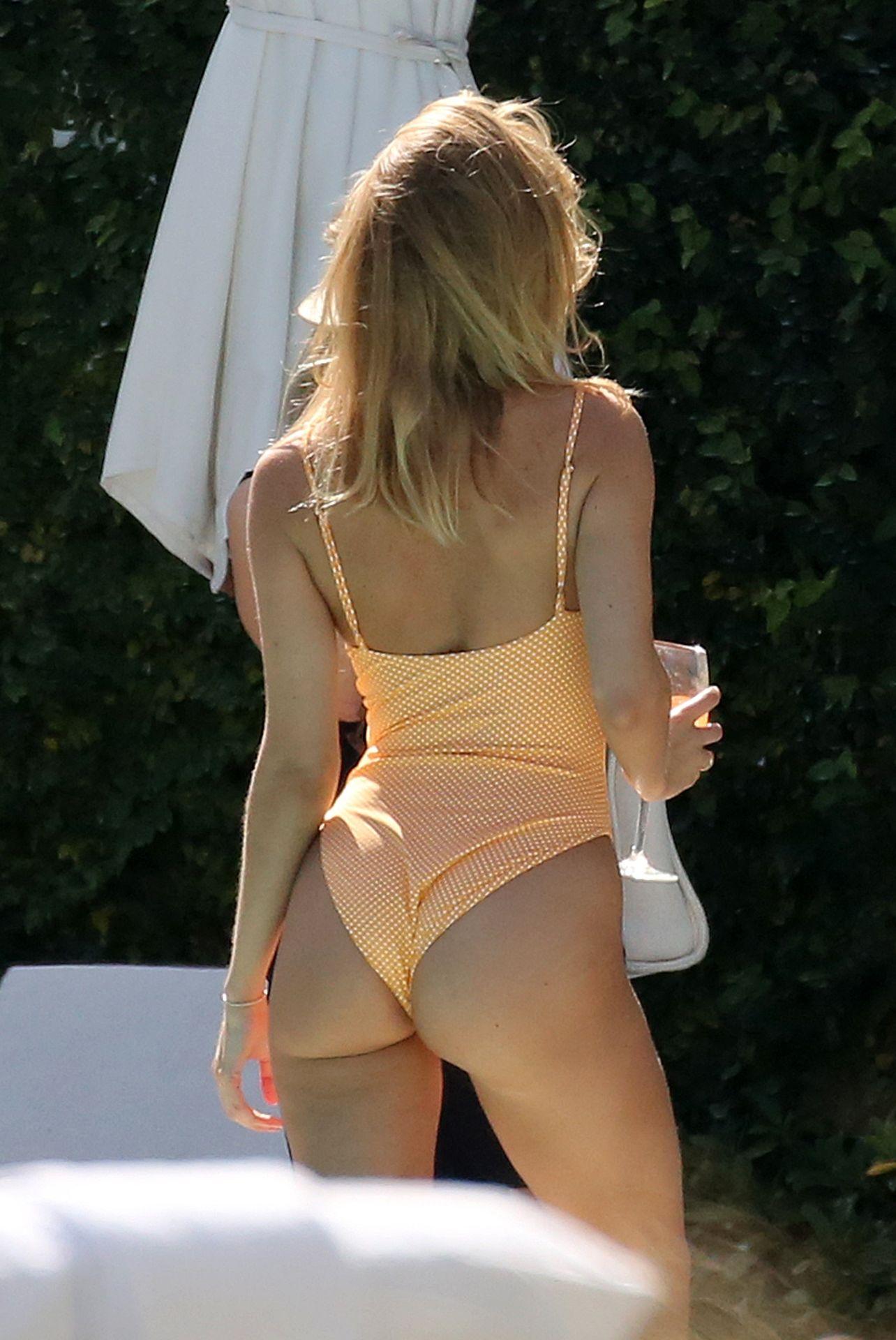 Kimberley Garner Seen Wearing An Orange Swimsuit In Miami 0014