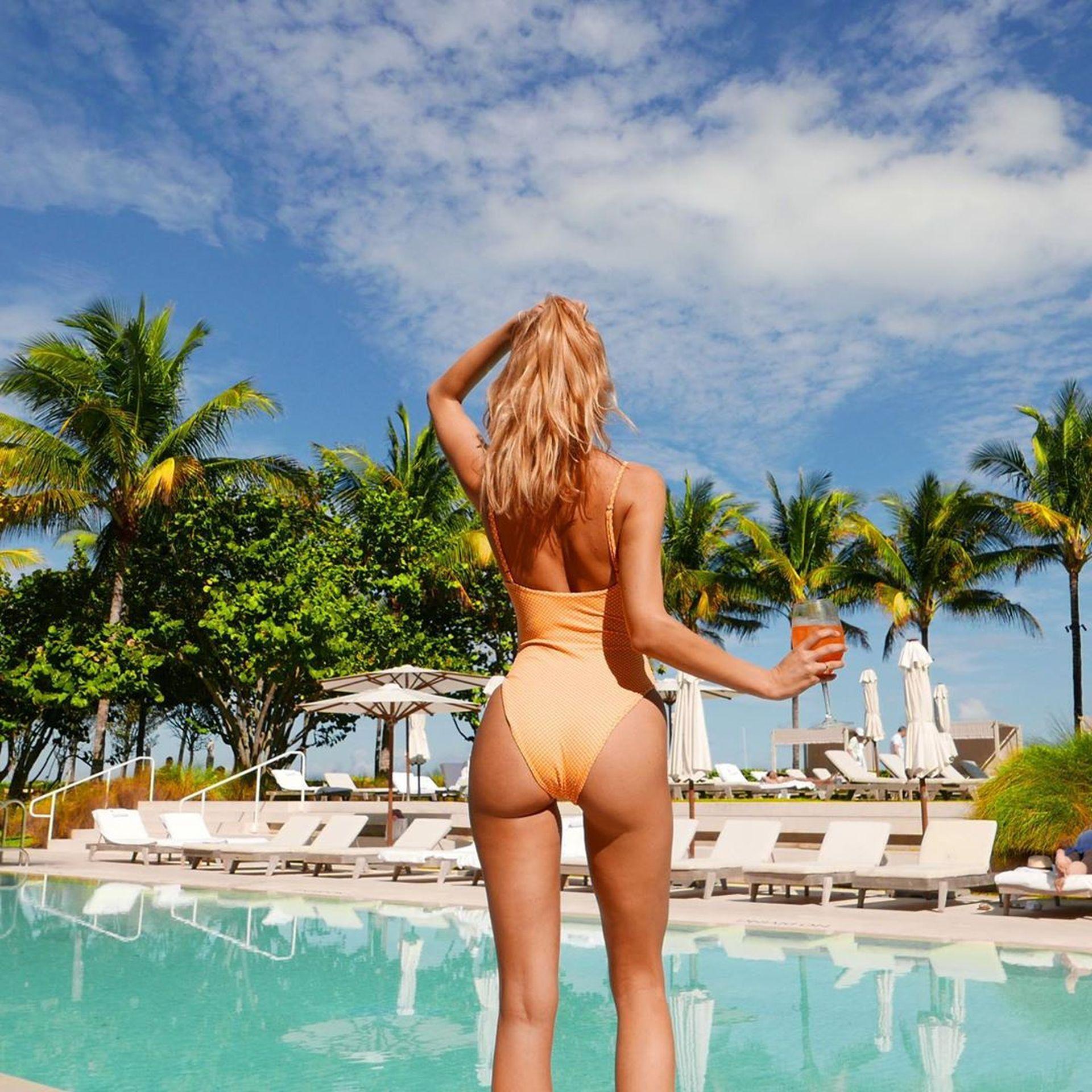 Kimberley Garner Seen Wearing An Orange Swimsuit In Miami 0030