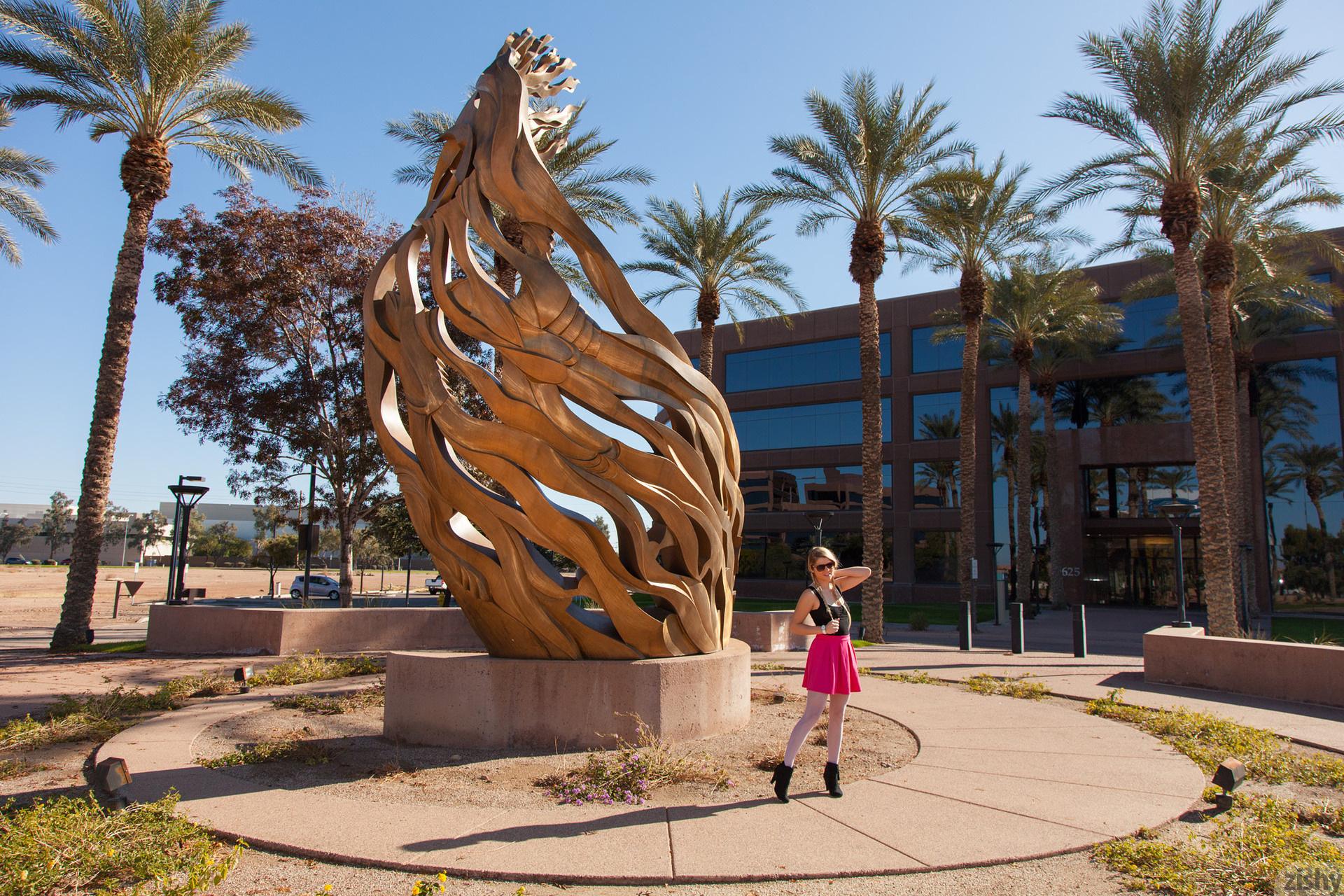 Kirsten Diatta The Phoenix Corp Zishy (1)