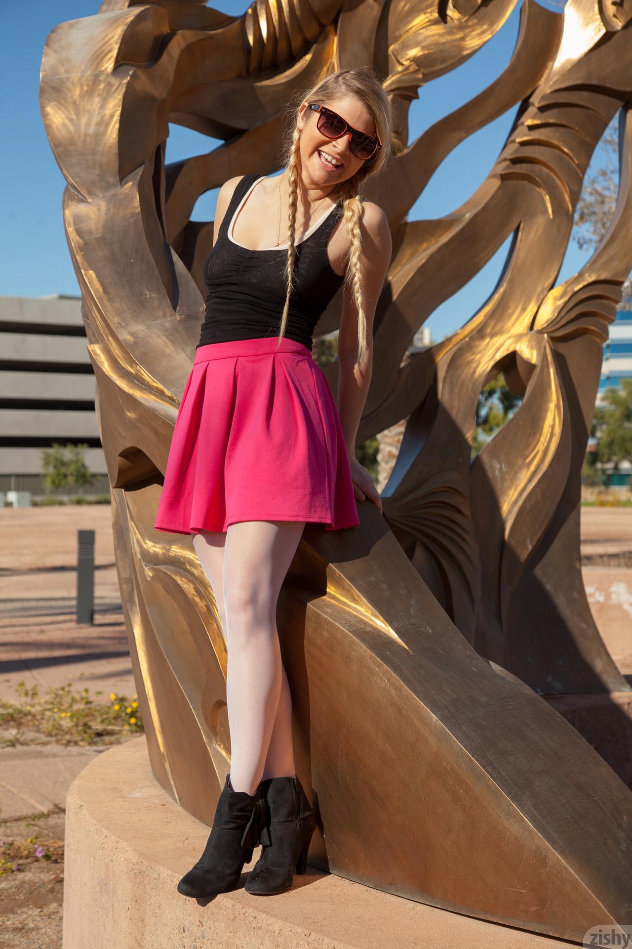 Kirsten Diatta The Phoenix Corp Zishy (14)