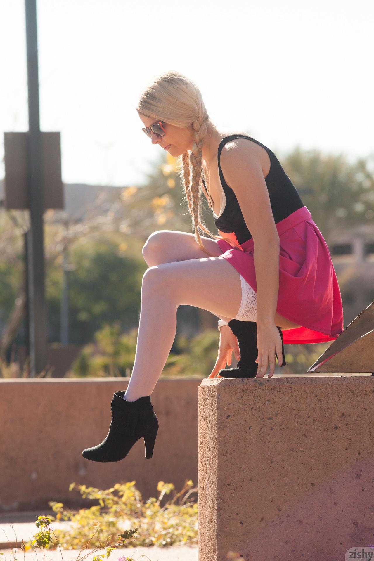 Kirsten Diatta The Phoenix Corp Zishy (21)