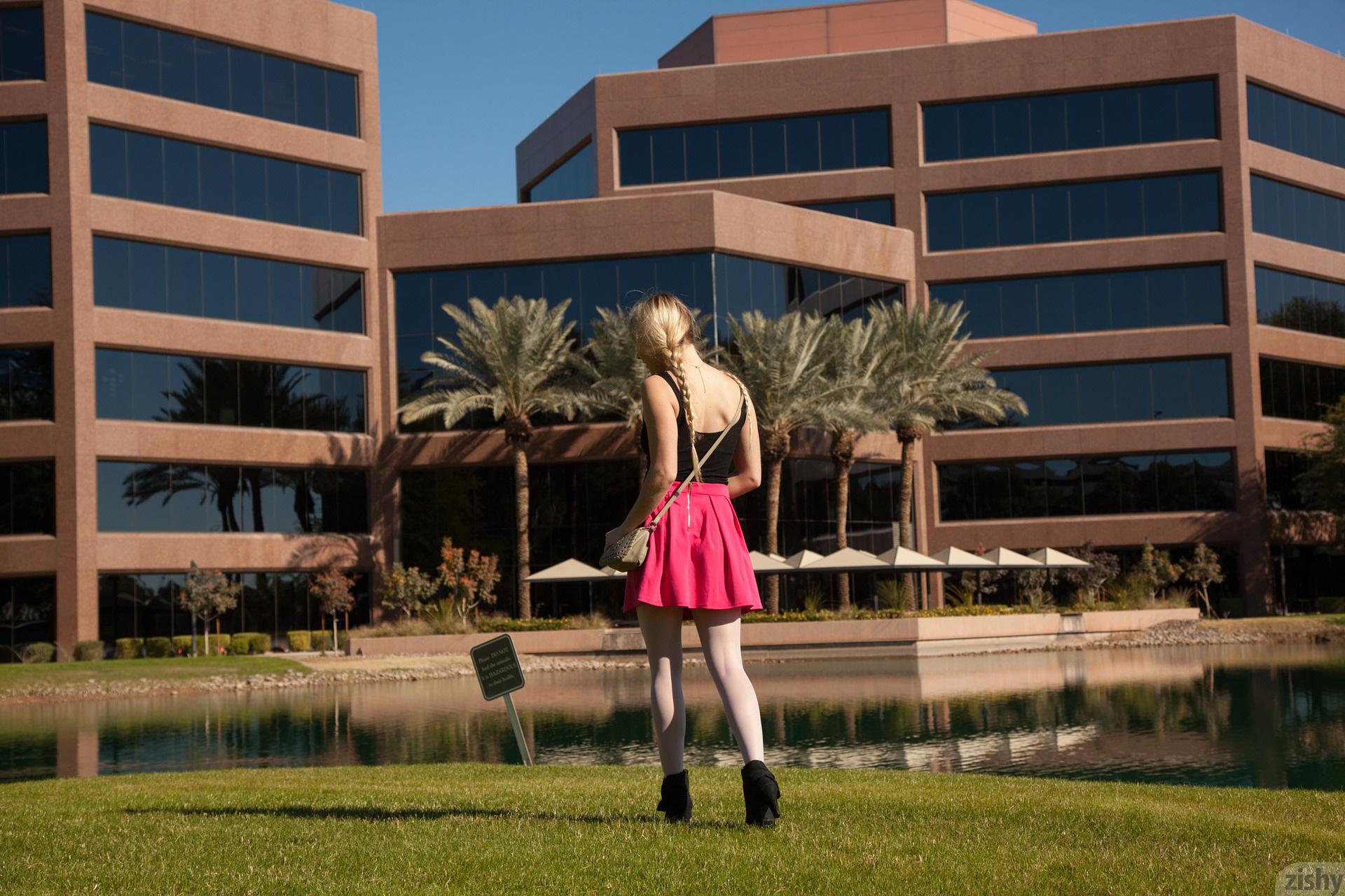 Kirsten Diatta The Phoenix Corp Zishy (48)
