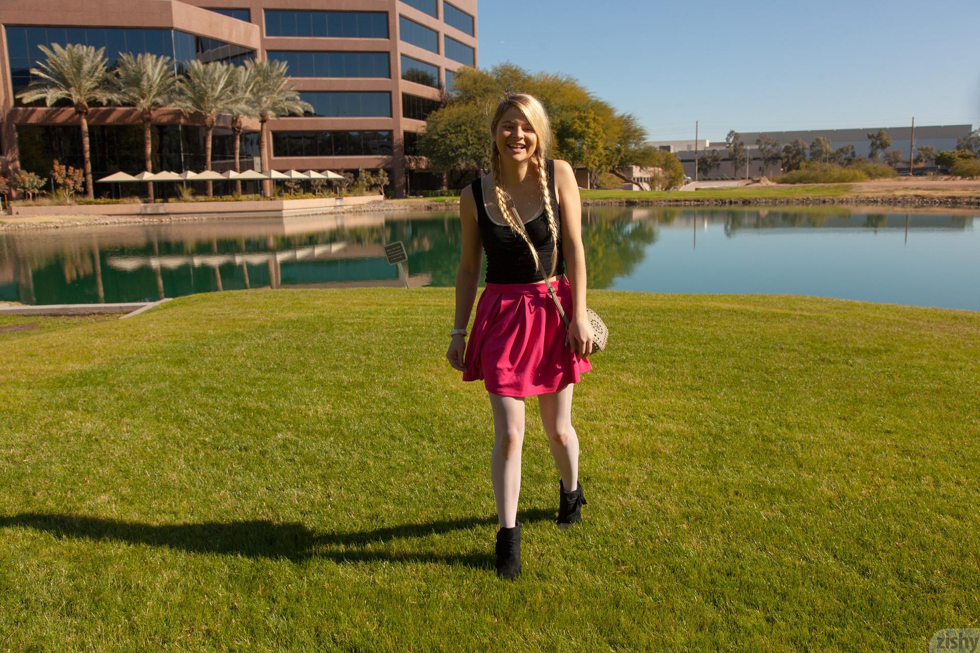 Kirsten Diatta The Phoenix Corp Zishy (66)