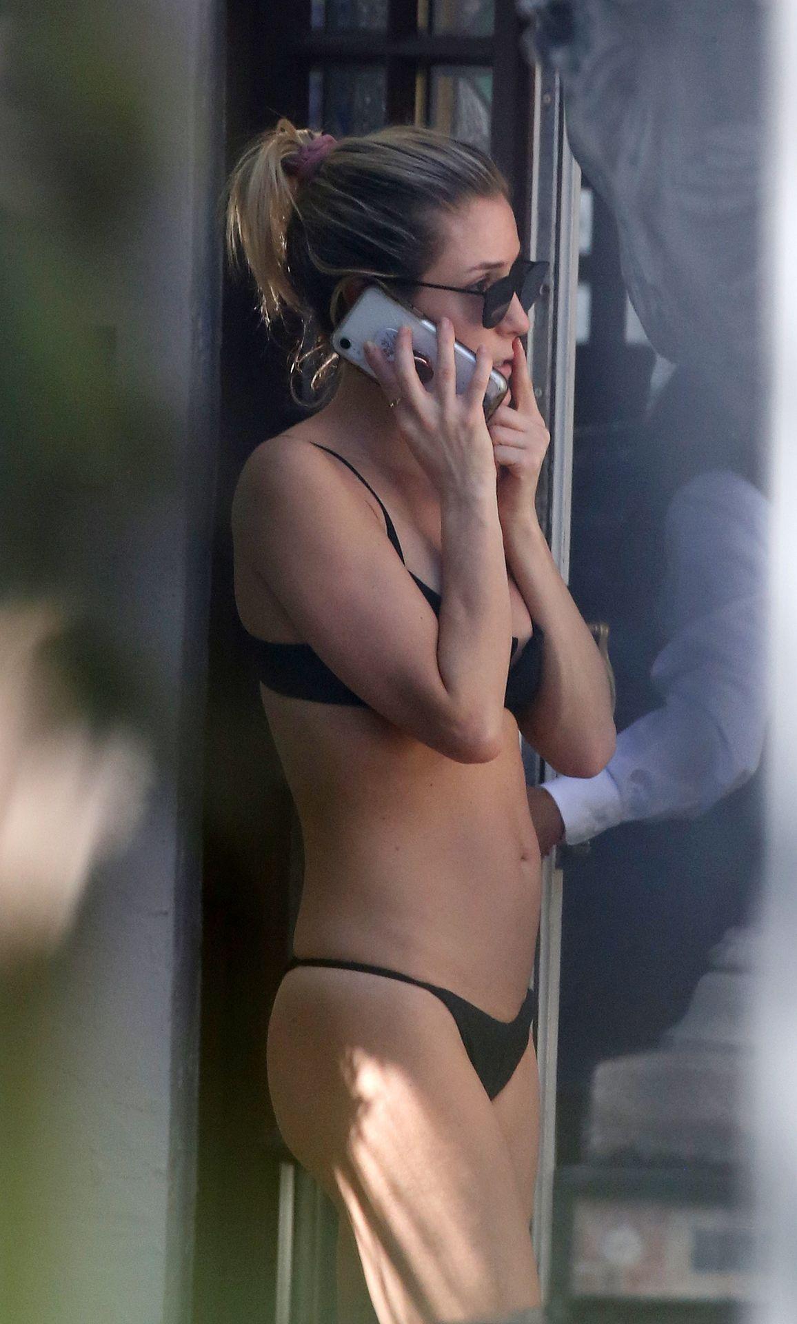 Kristin Cavallari Wears A Black Bikini In Miami 0001