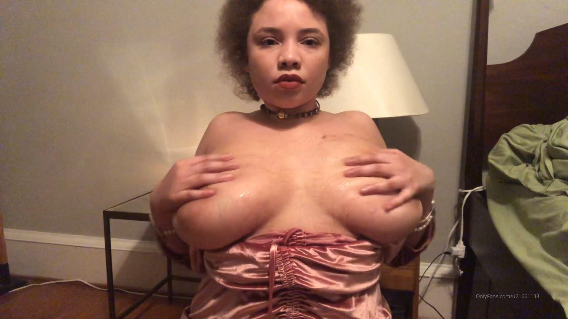 Mikaela Spielberg Nude Leaked0027
