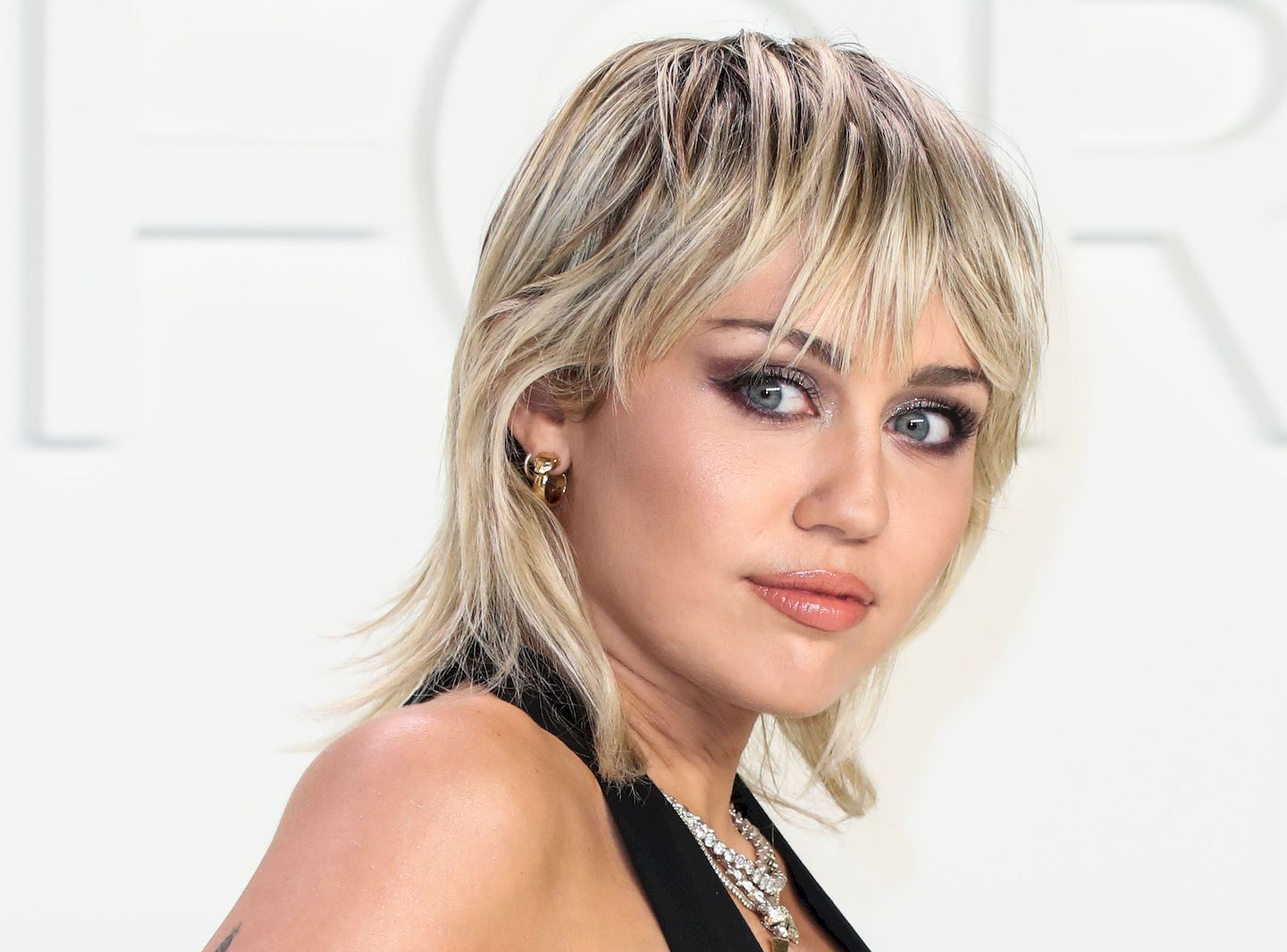 Miley Cyrus Looks Sexy At The Tom Ford Autumn Winter 2020 Fashion Show 0001