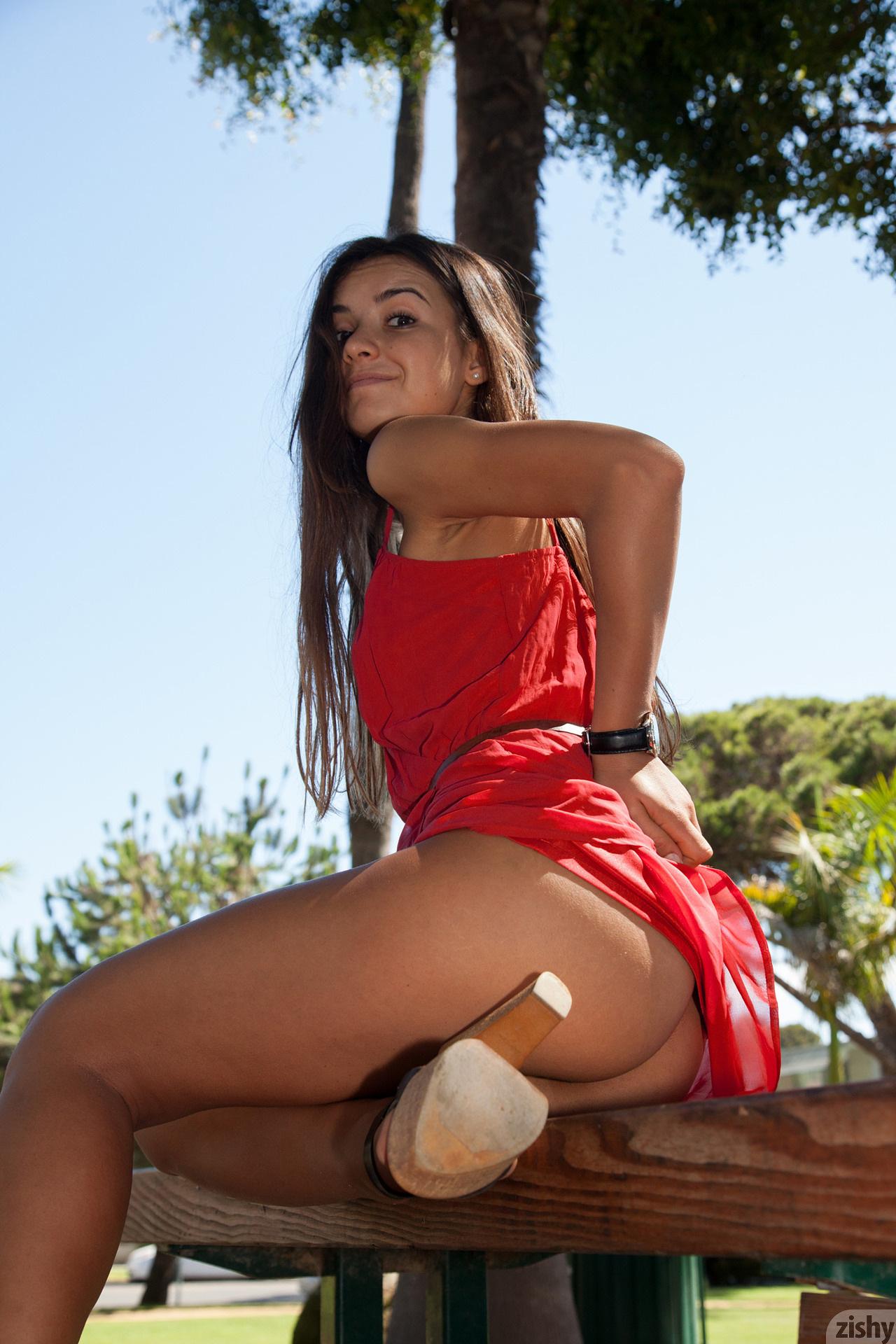 Nora Sibiel Radio Romanio Zishy (32)